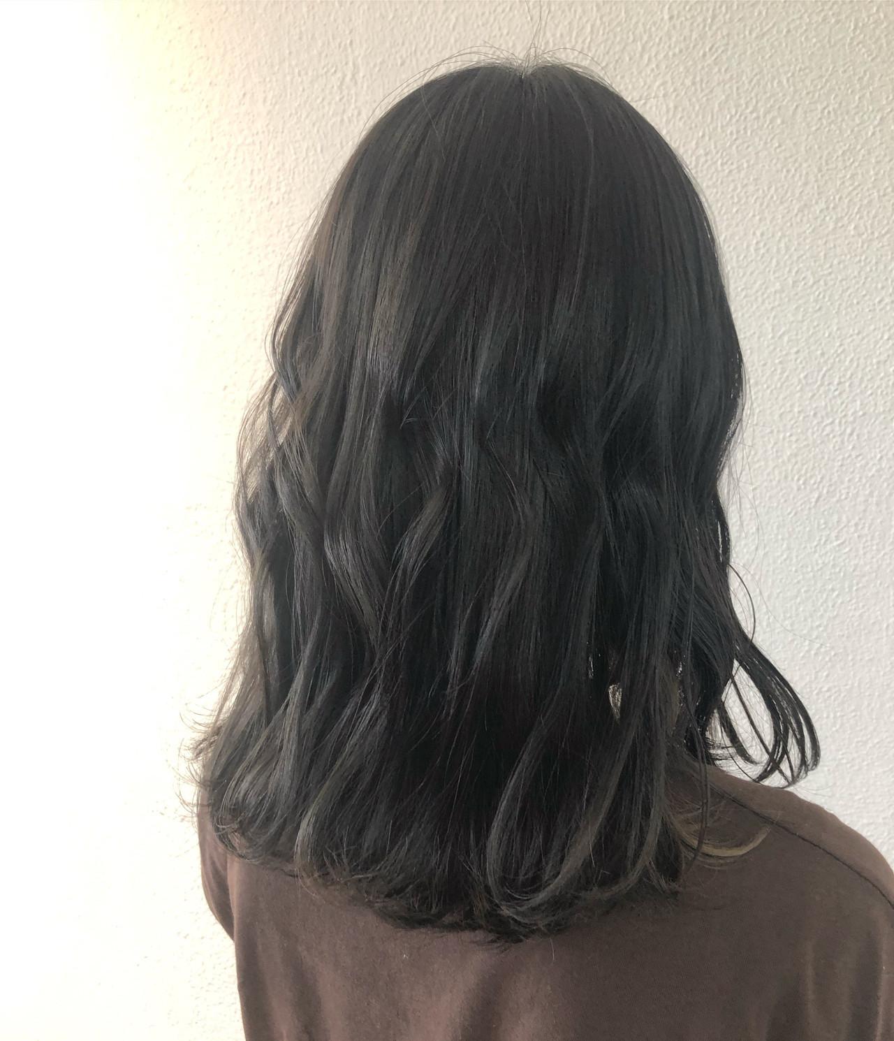 セミロング ブルージュ ヌーディベージュ グレージュ ヘアスタイルや髪型の写真・画像