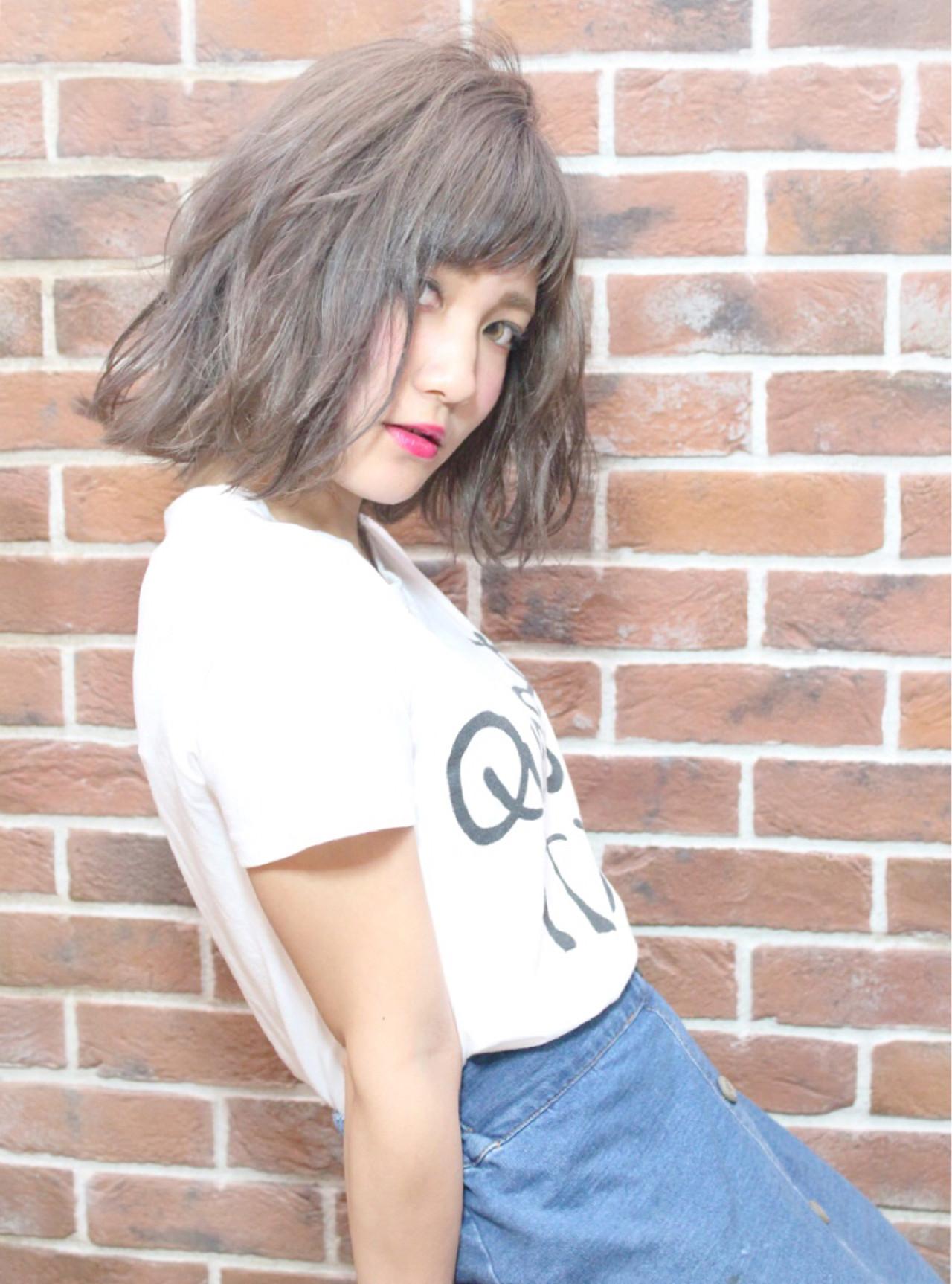 女子会 デート 斜め前髪 ボブ ヘアスタイルや髪型の写真・画像