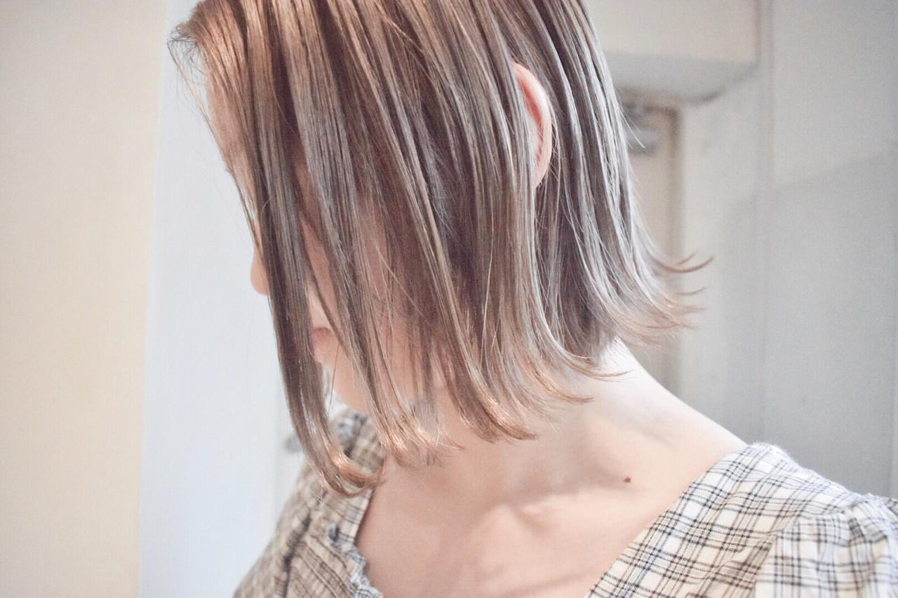 ミルクティーグレー ハイライト ボブ ナチュラル ヘアスタイルや髪型の写真・画像