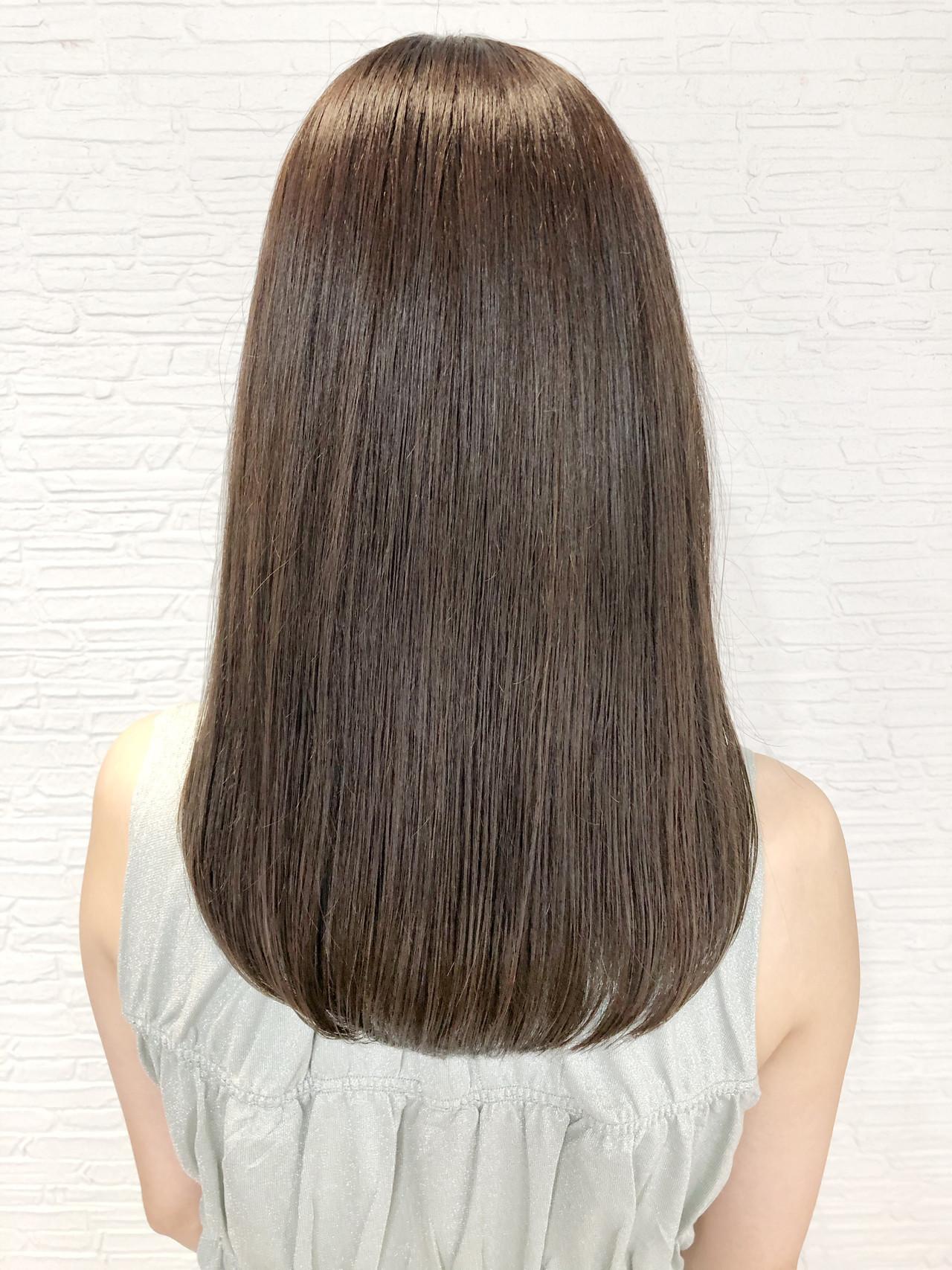 ナチュラルベージュ グレージュ ミルクティーベージュ セミロング ヘアスタイルや髪型の写真・画像