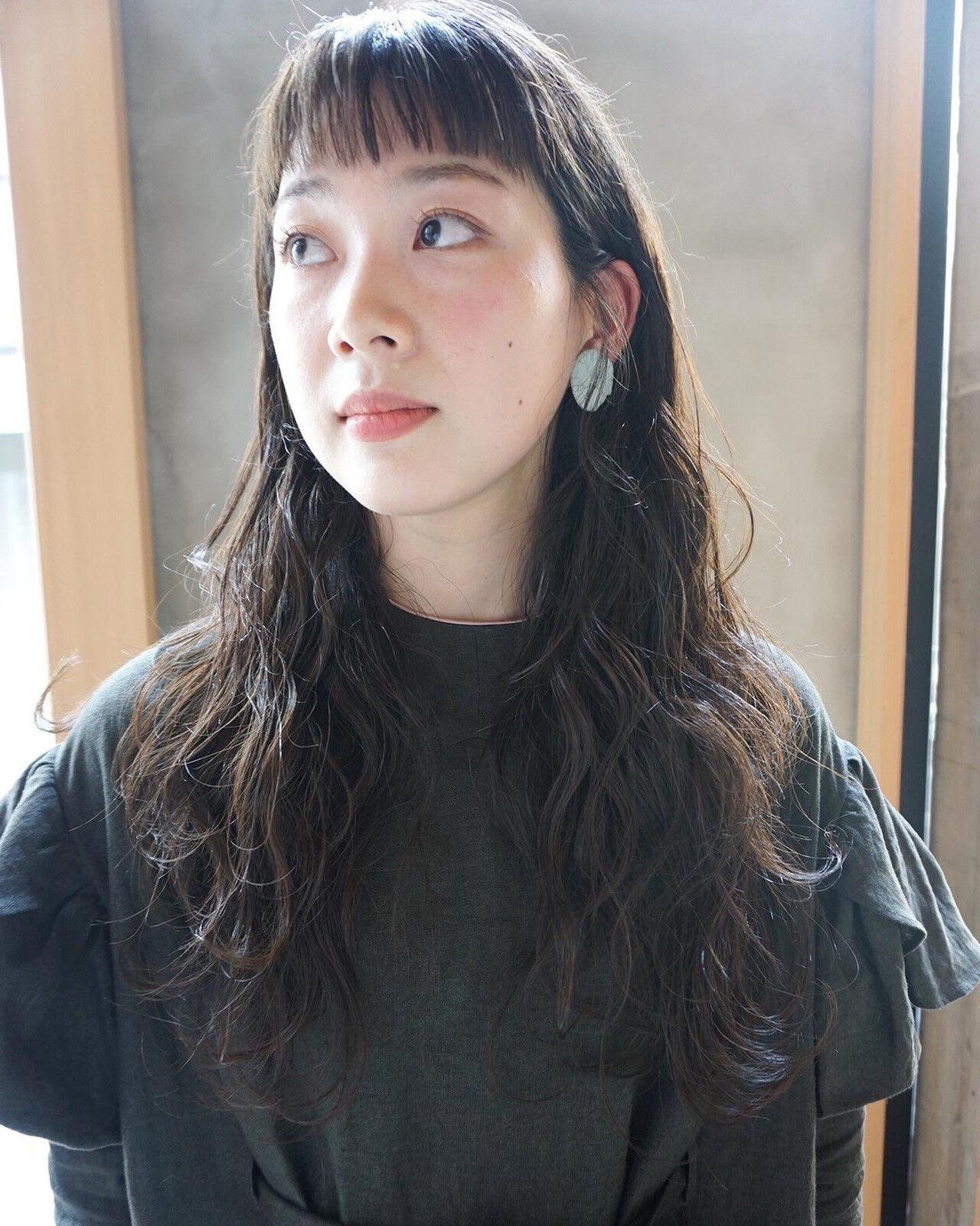 ロング くすみカラー ナチュラル 透明感 ヘアスタイルや髪型の写真・画像