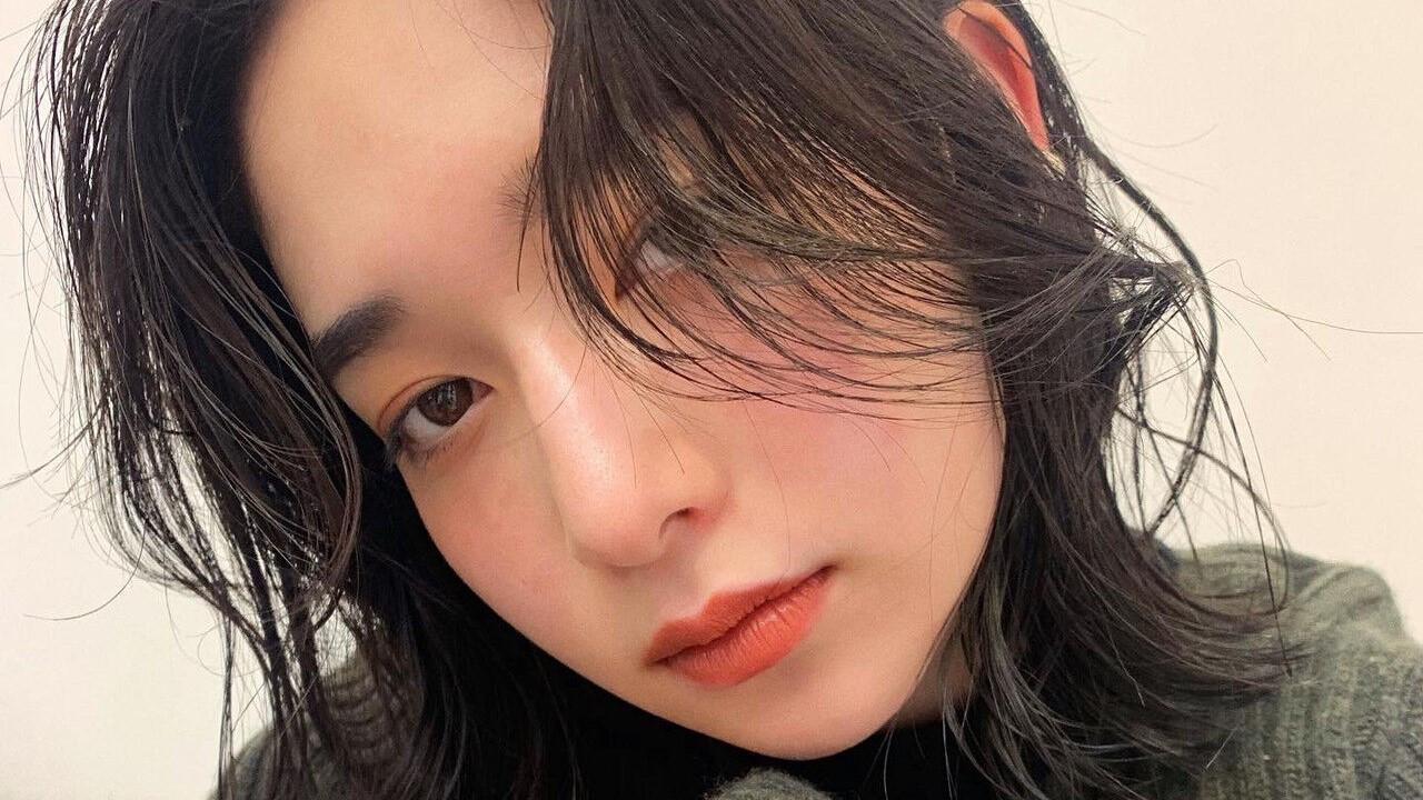2021年トレンド♡じゅわっと広がる「カラーメイク」を魅せるヘア