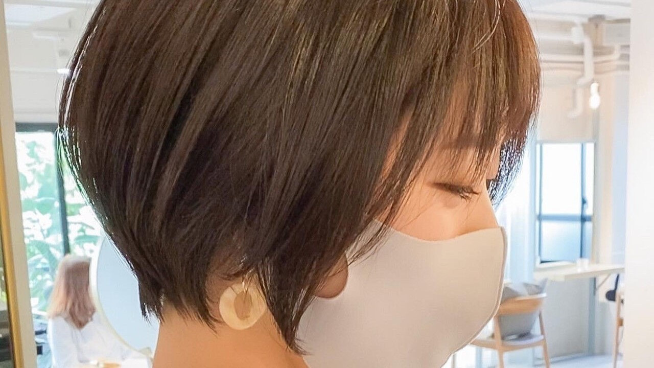 【レングス別】女性らしさ抜群の『前下がりヘア』が愛されるワケ