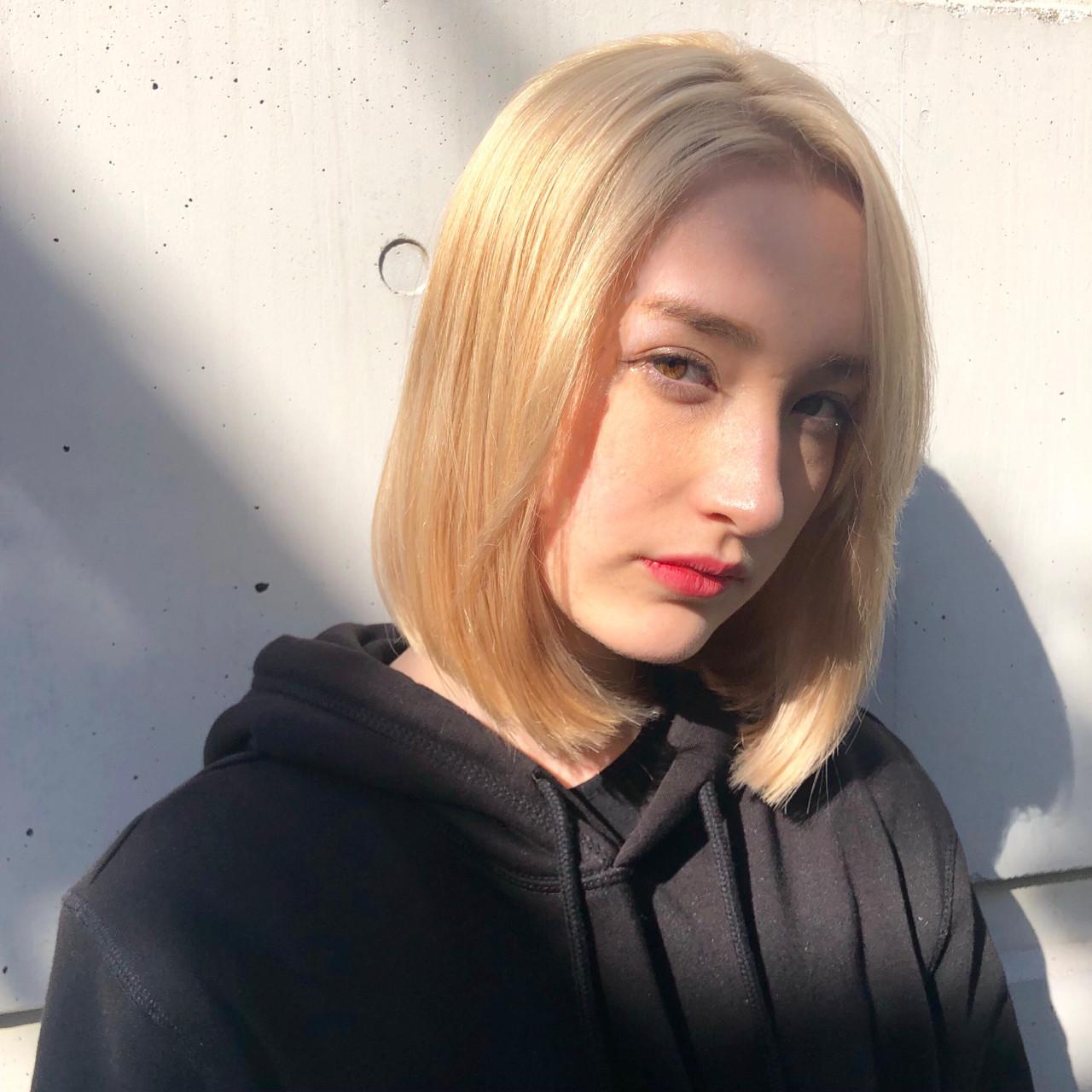 ブリーチ 外国人風カラー ハイトーン ワンカール ヘアスタイルや髪型の写真・画像