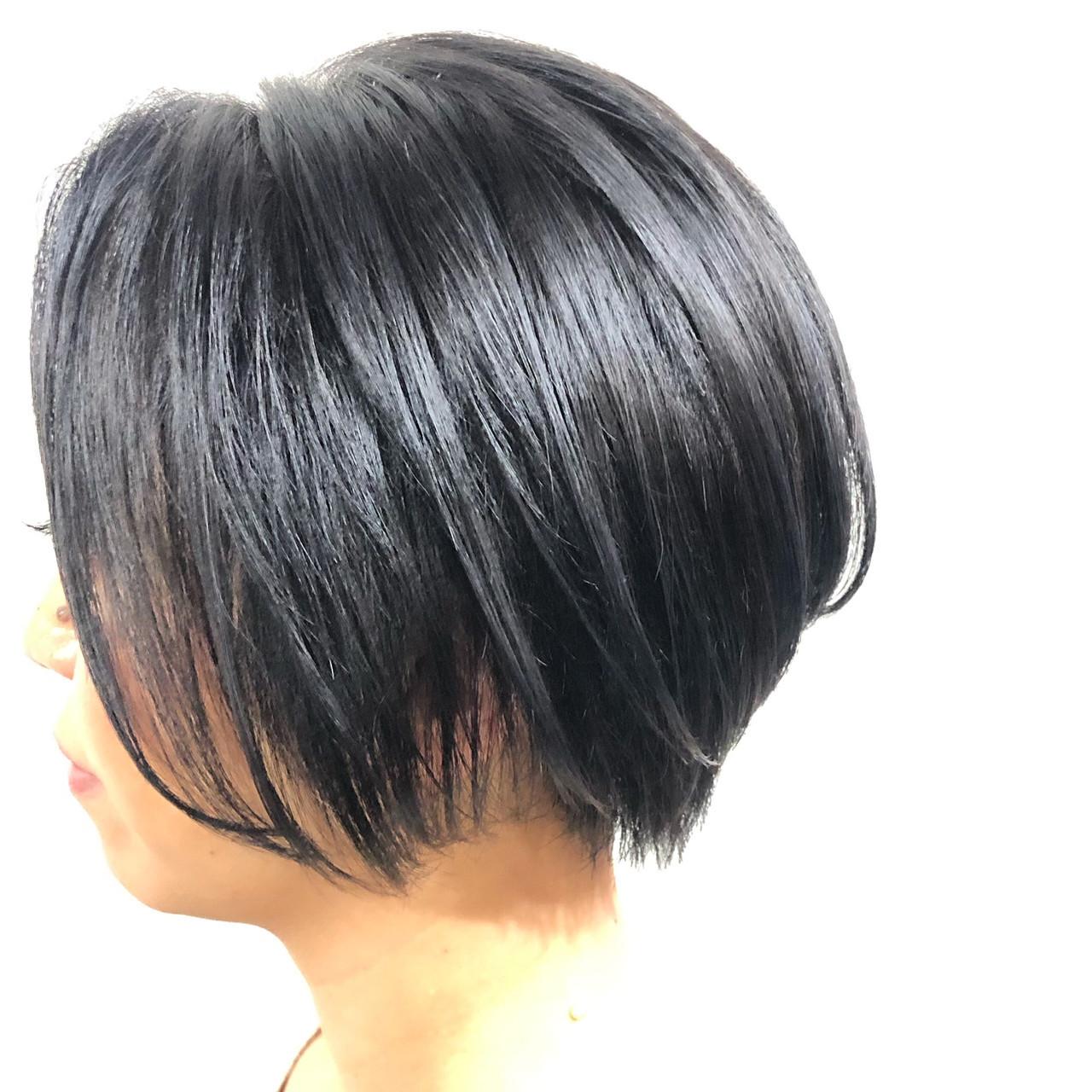 ショート クール モード ブルーアッシュ ヘアスタイルや髪型の写真・画像