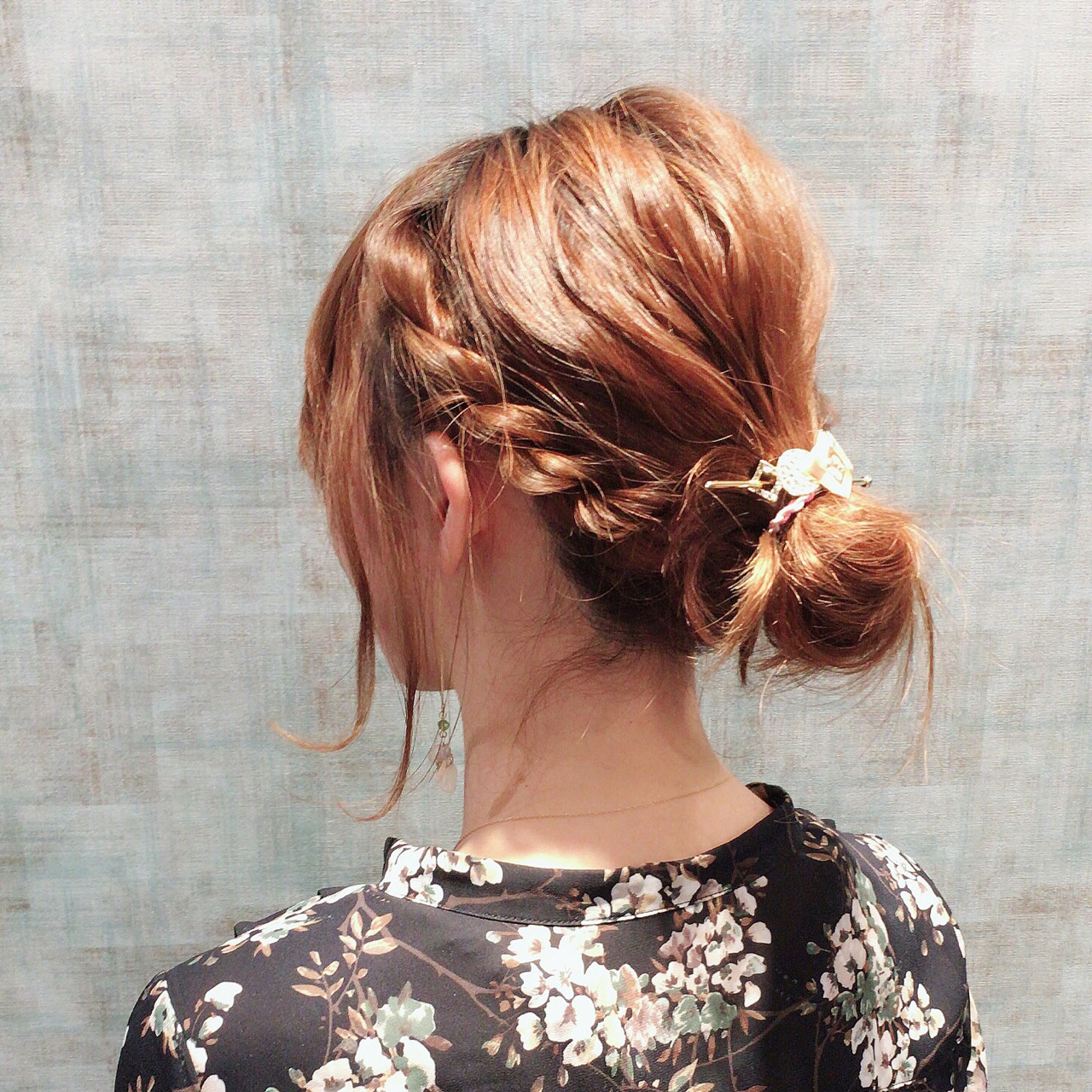 大人女子 簡単ヘアアレンジ ツイスト フェミニン ヘアスタイルや髪型の写真・画像