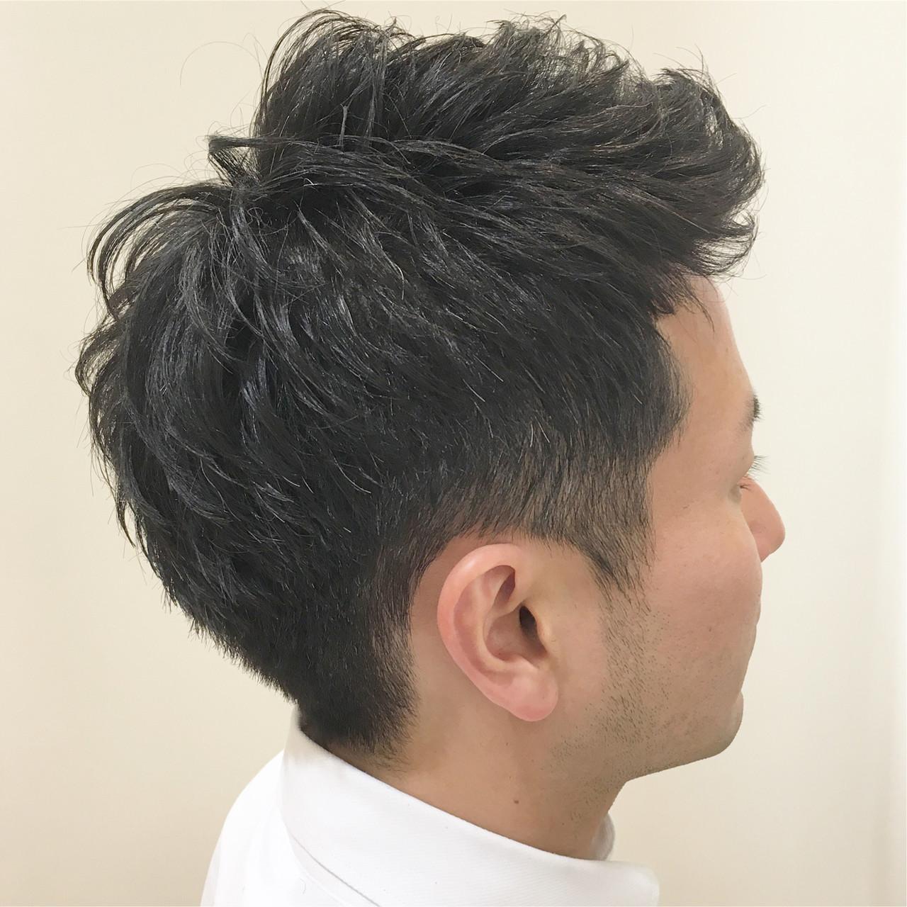 刈り上げ アップバング メンズ ツーブロック ヘアスタイルや髪型の写真・画像