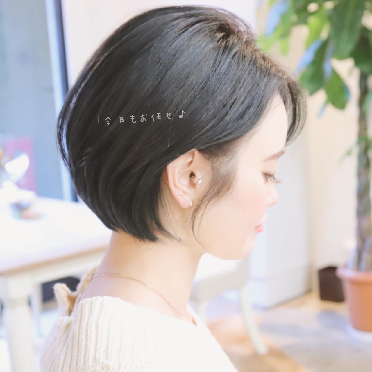 アンニュイほつれヘア オフィス ナチュラル アッシュ ヘアスタイルや髪型の写真・画像