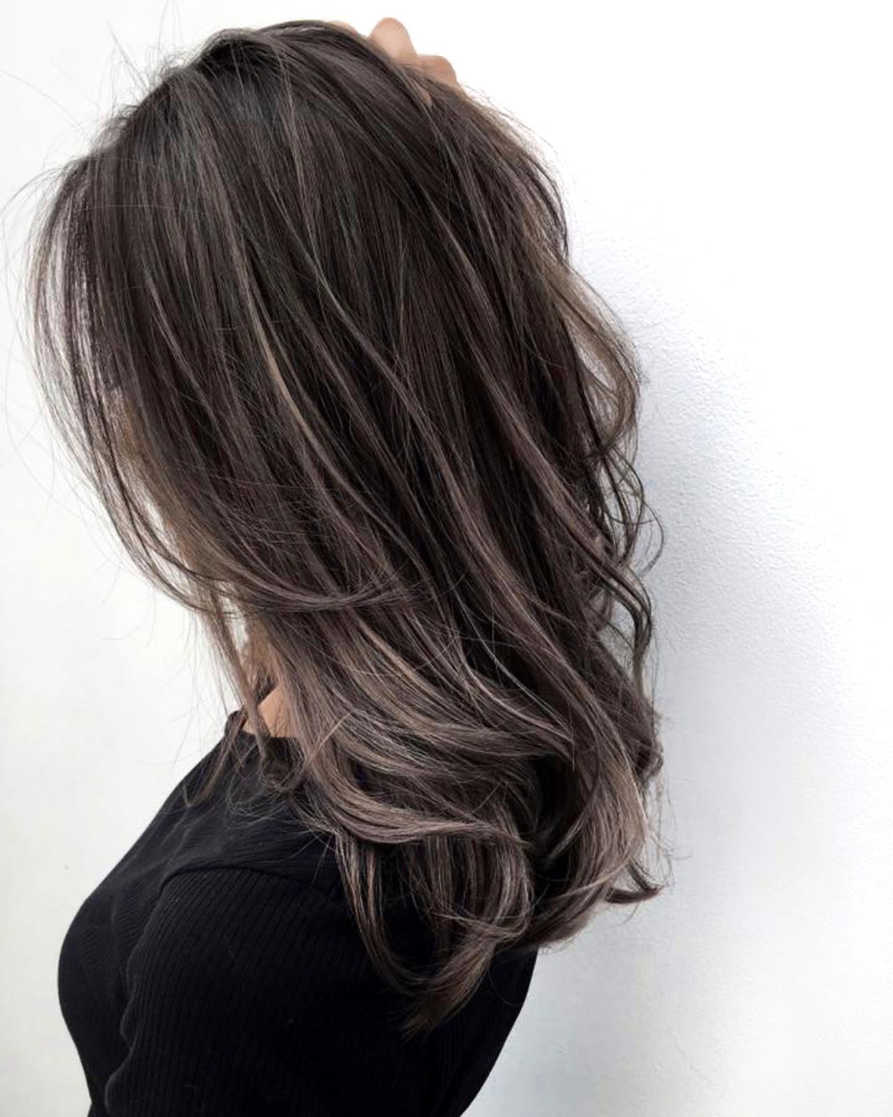 チョコレート ハイライト レイヤーカット コンサバ ヘアスタイルや髪型の写真・画像