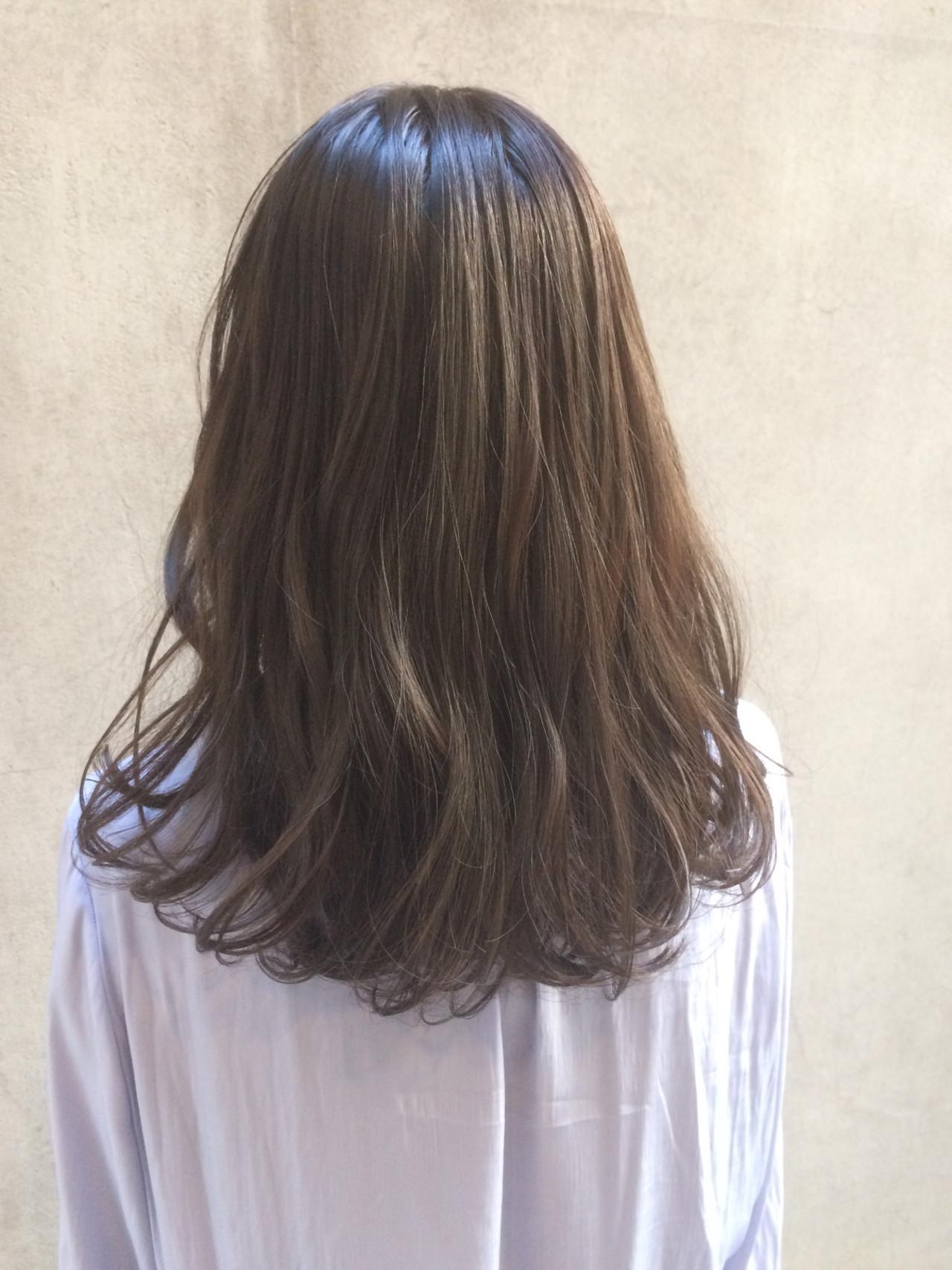 外国人風カラー ミディアム ナチュラル デート ヘアスタイルや髪型の写真・画像