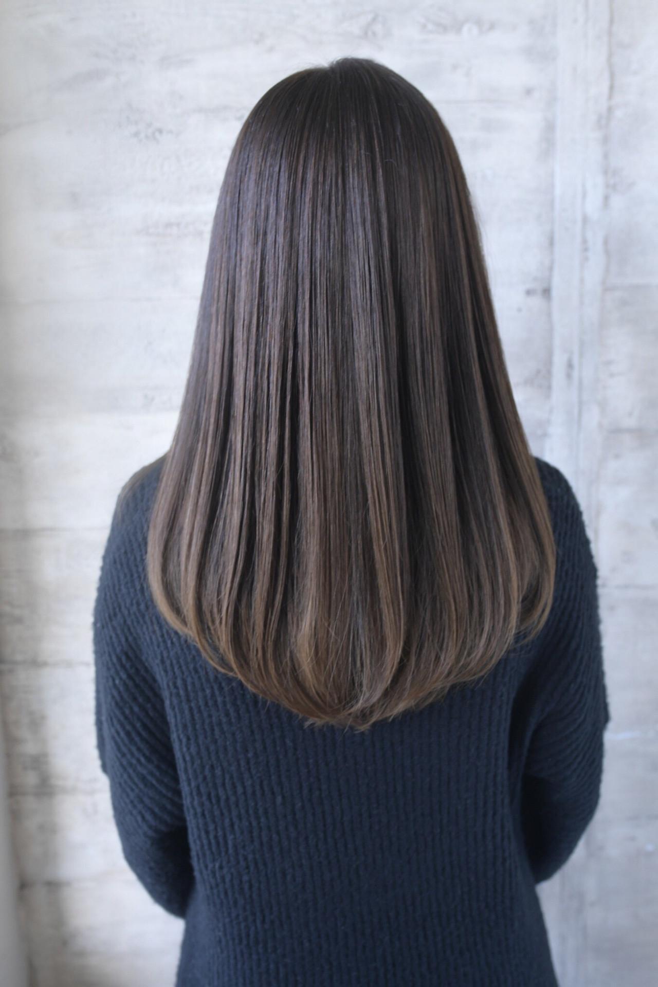 ロング 艶髪 清楚 透明感 ヘアスタイルや髪型の写真・画像