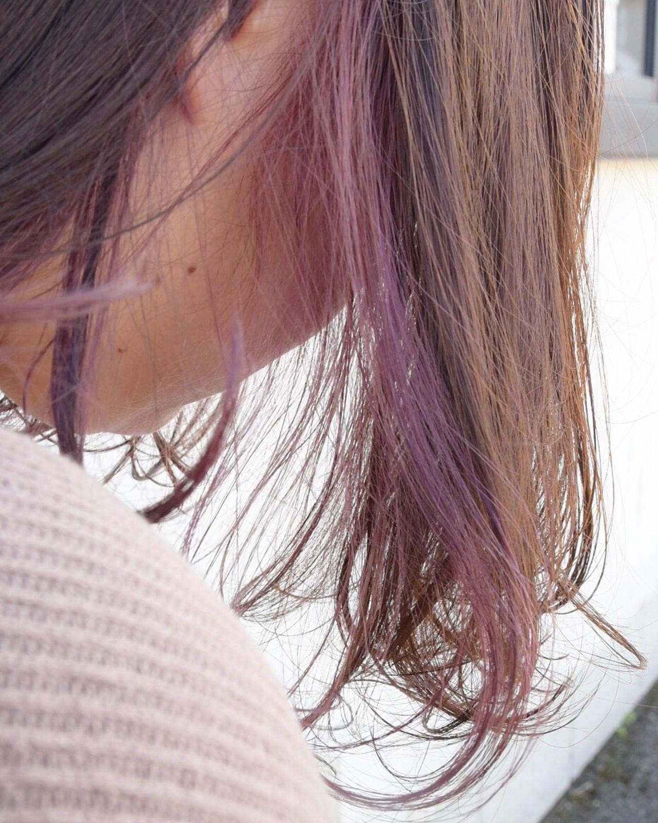 インナーピンク ブリーチカラー ロング インナーカラー ヘアスタイルや髪型の写真・画像