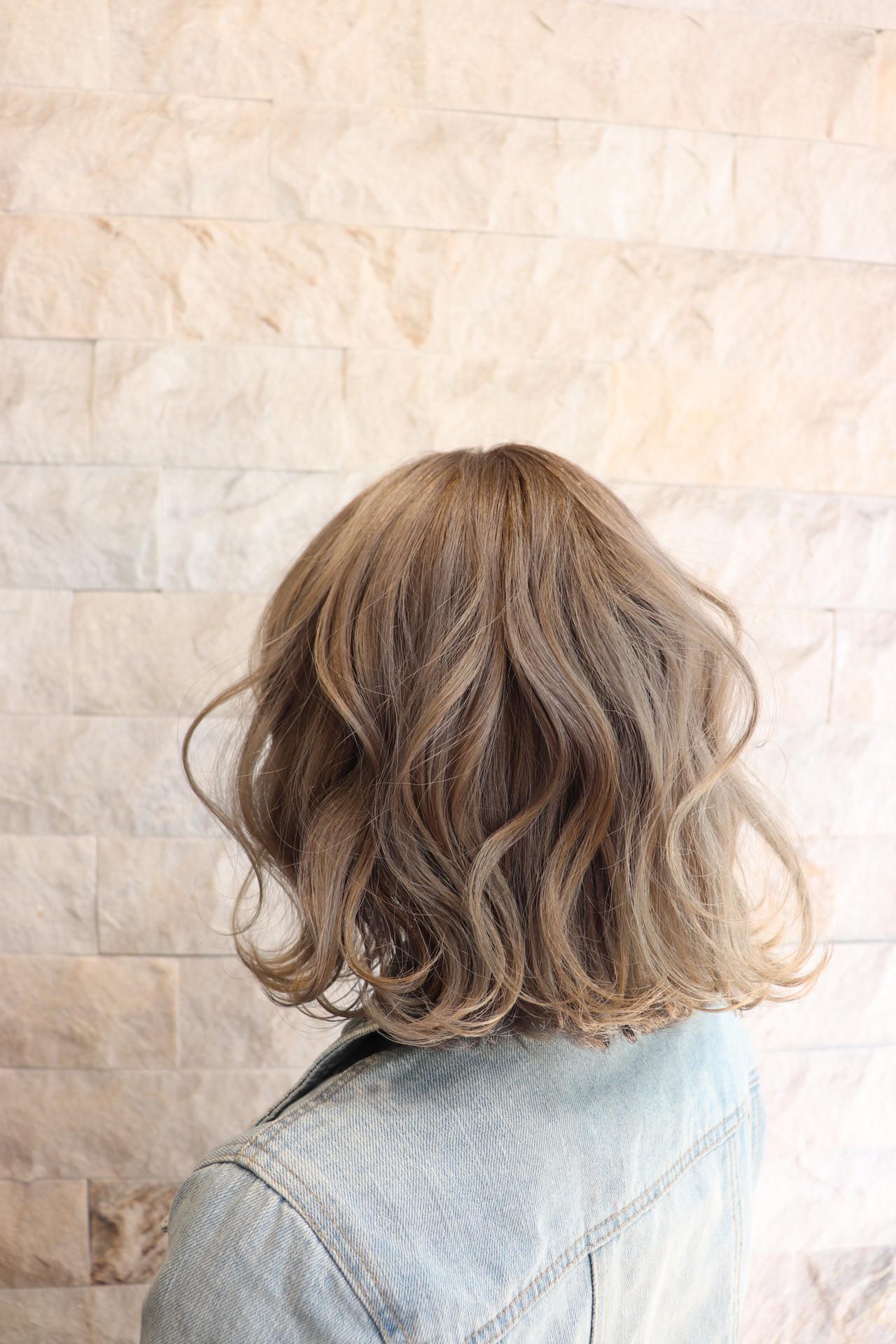 外国人風カラー ブリーチカラー ブリーチオンカラー ミディアム ヘアスタイルや髪型の写真・画像