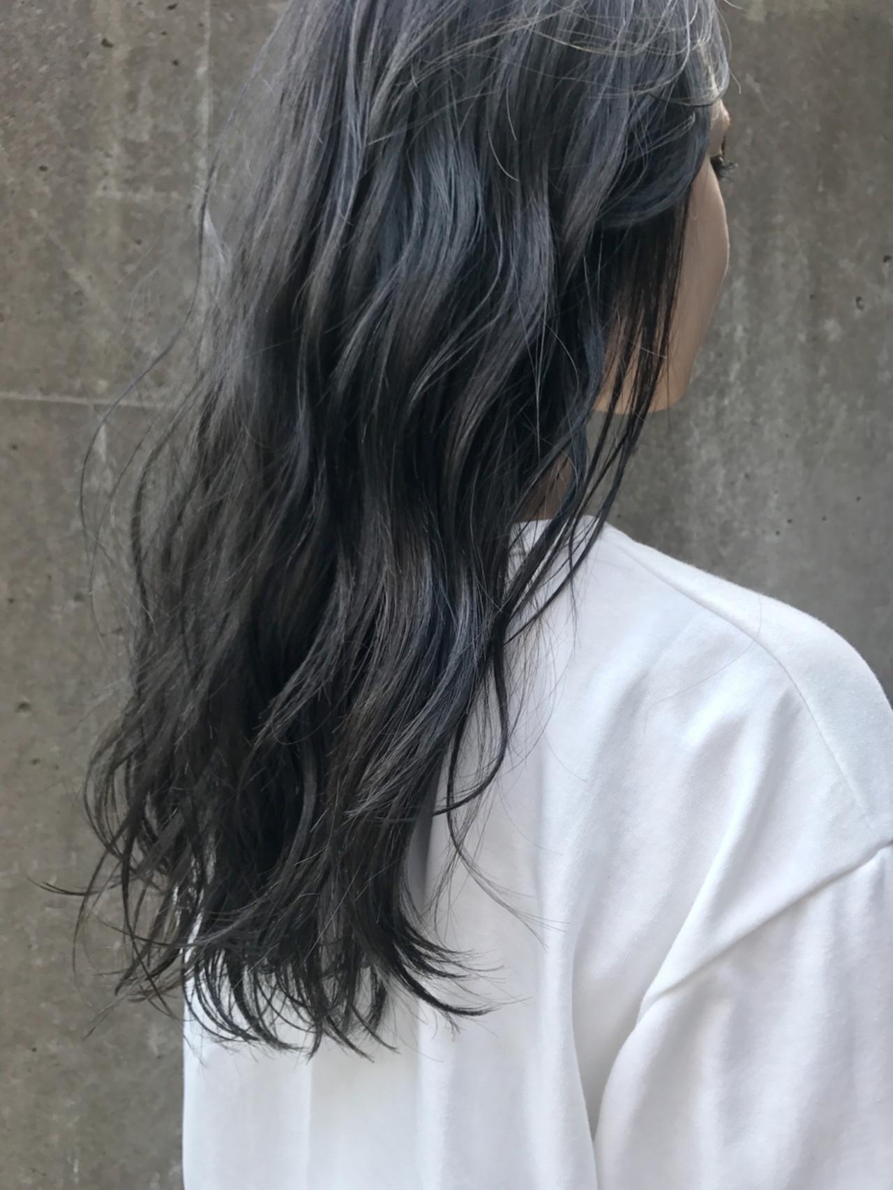 アッシュ 透明感 セミロング ストリート ヘアスタイルや髪型の写真・画像