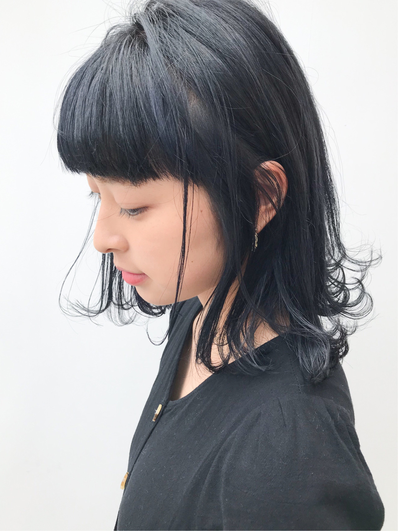 コンサバ ミディアム ブルーブラック 黒髪 ヘアスタイルや髪型の写真・画像