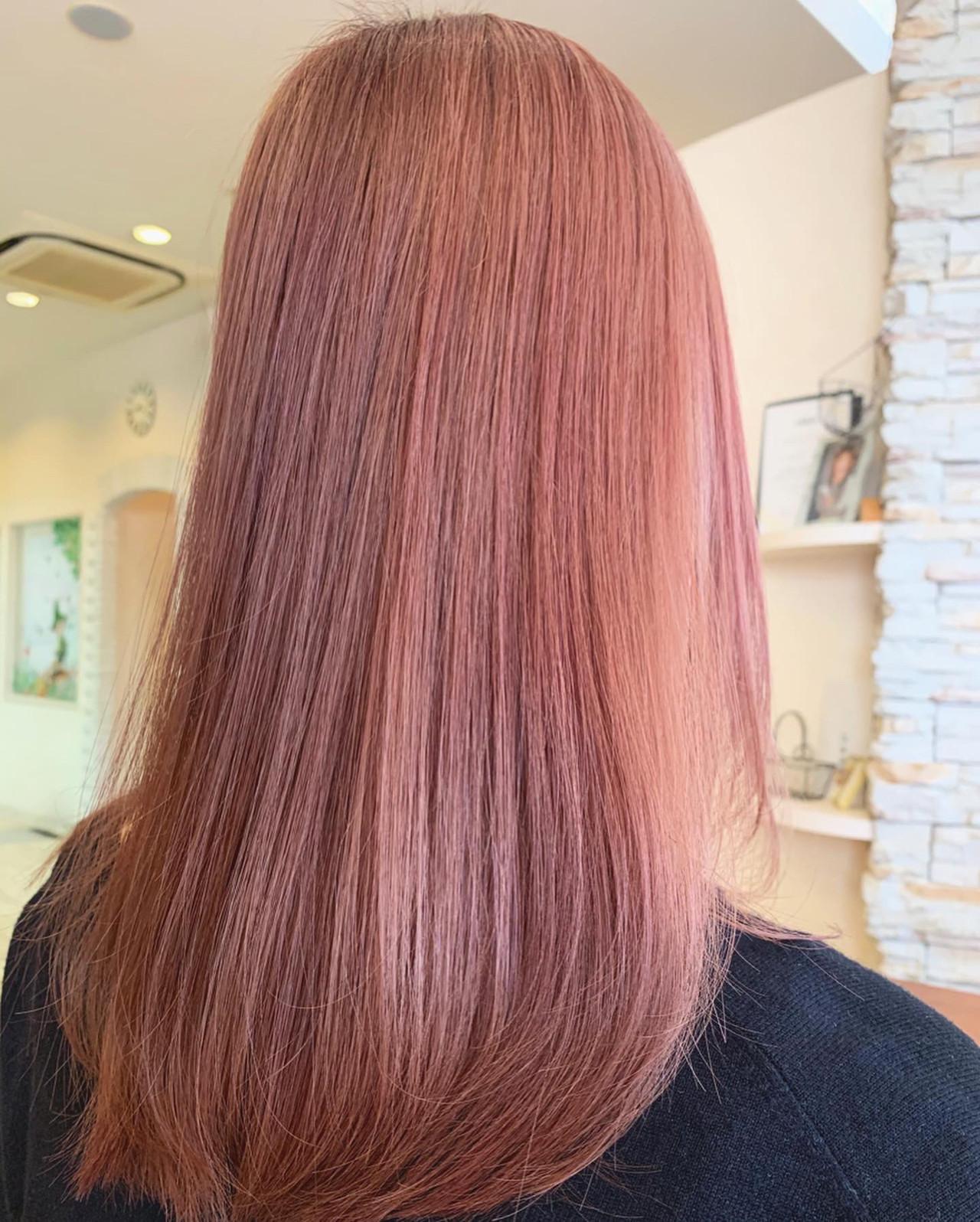 ロング ピンクブラウン ブリーチ モード ヘアスタイルや髪型の写真・画像
