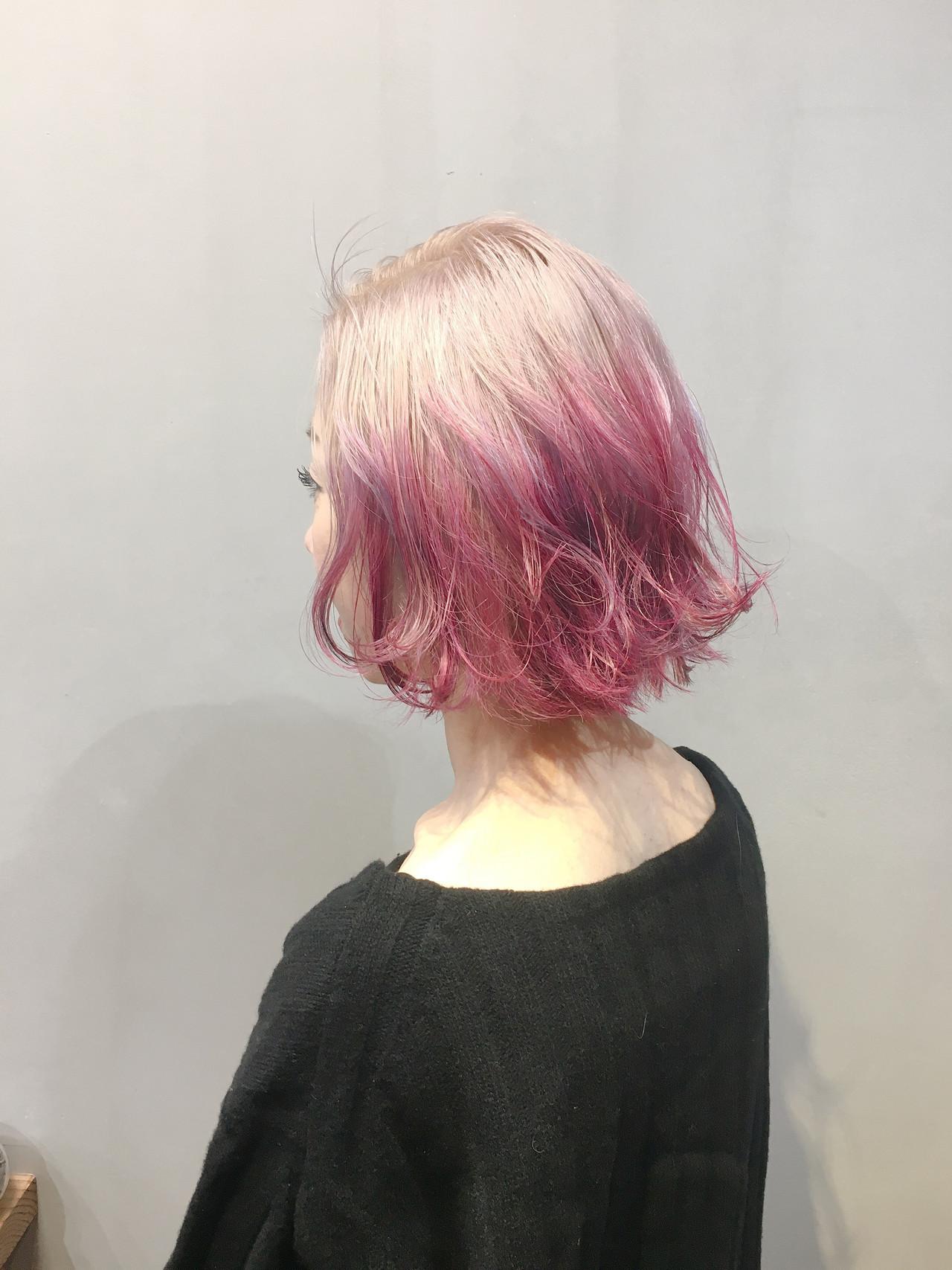 ラベンダーピンク ミルクティーベージュ ショートボブ ベリーピンク ヘアスタイルや髪型の写真・画像