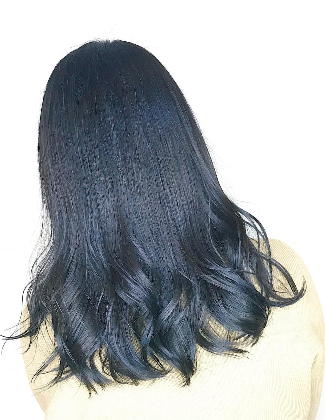 ナチュラル ネイビー ブルーブラック ネイビーブルー ヘアスタイルや髪型の写真・画像