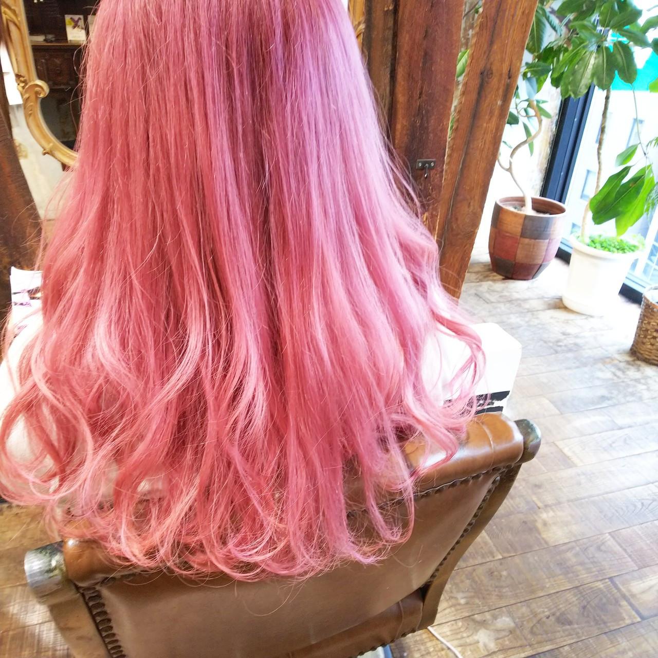 ダブルカラー ストリート ピンク ロング ヘアスタイルや髪型の写真・画像