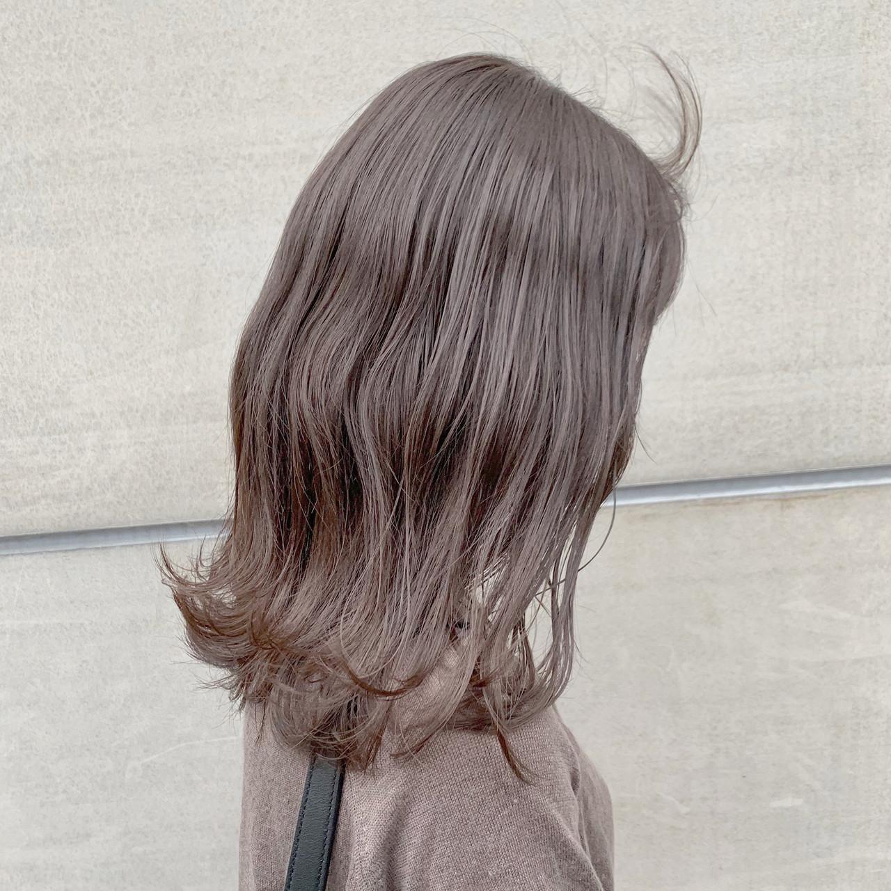 セミロング ピンクベージュ ブリーチなし 透明感カラー ヘアスタイルや髪型の写真・画像