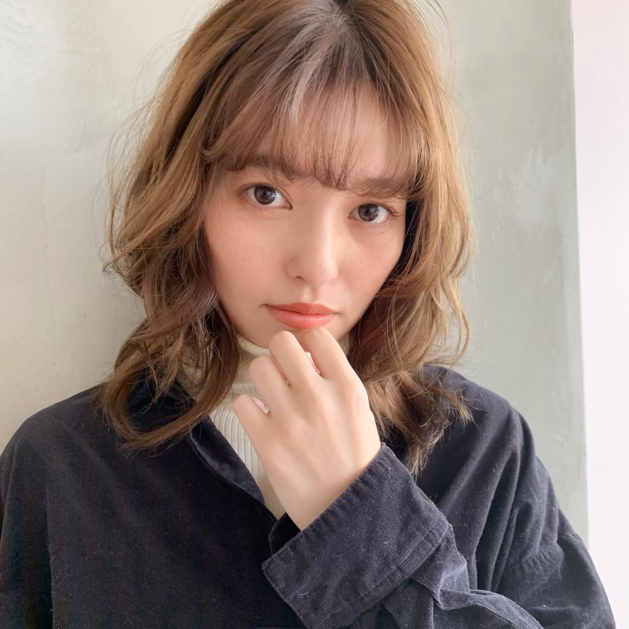 ゆるふわ イルミナカラー ミディアム フェミニン ヘアスタイルや髪型の写真・画像