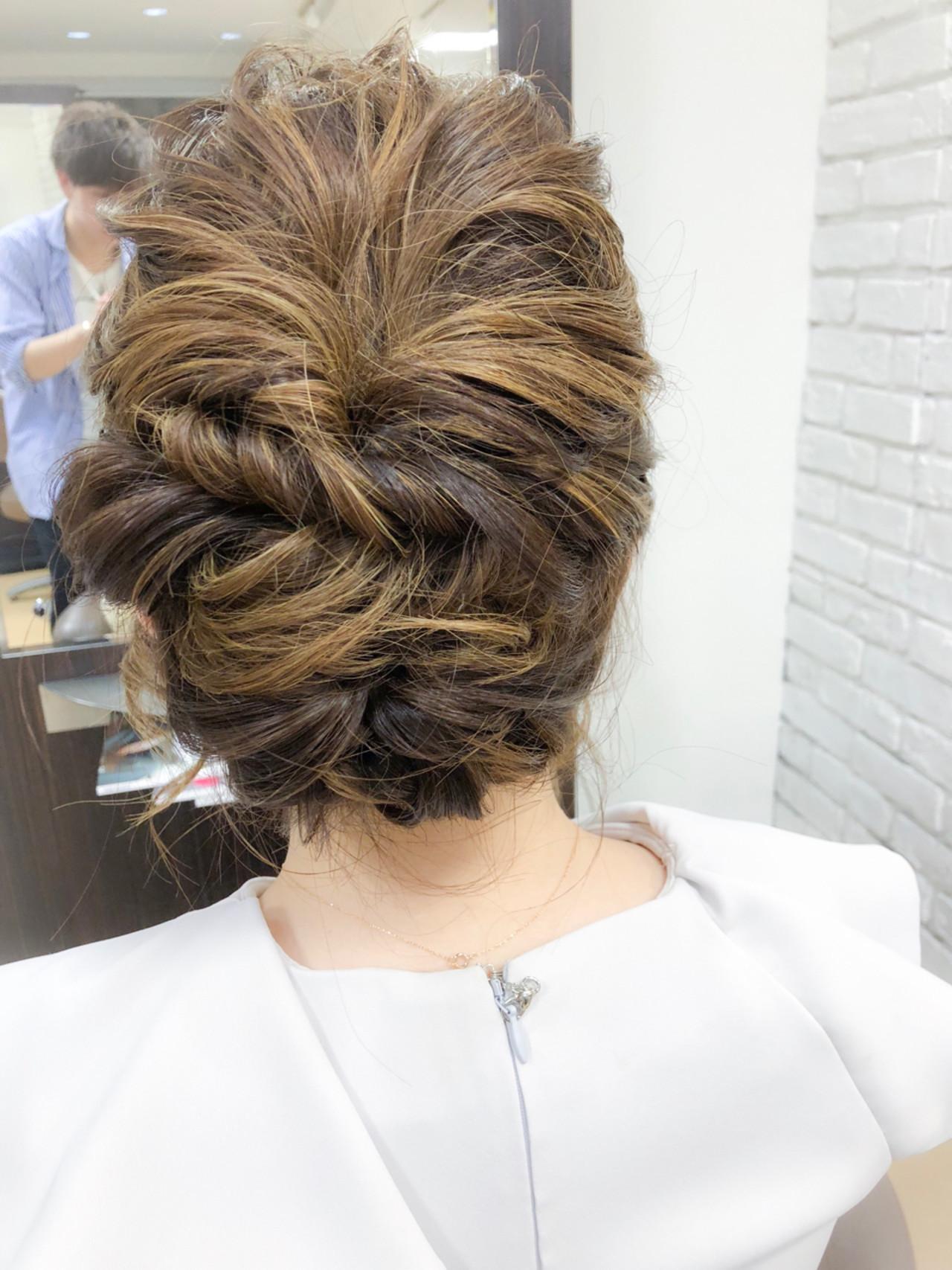 ナチュラル 編み込み ウェーブ ヘアアレンジ ヘアスタイルや髪型の写真・画像