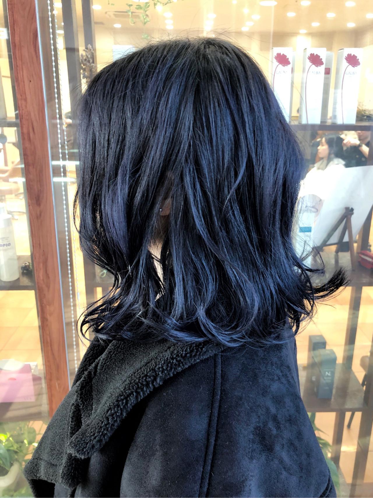 ネイビー ネイビーブルー ネイビーアッシュ ミディアムヘアー ヘアスタイルや髪型の写真・画像