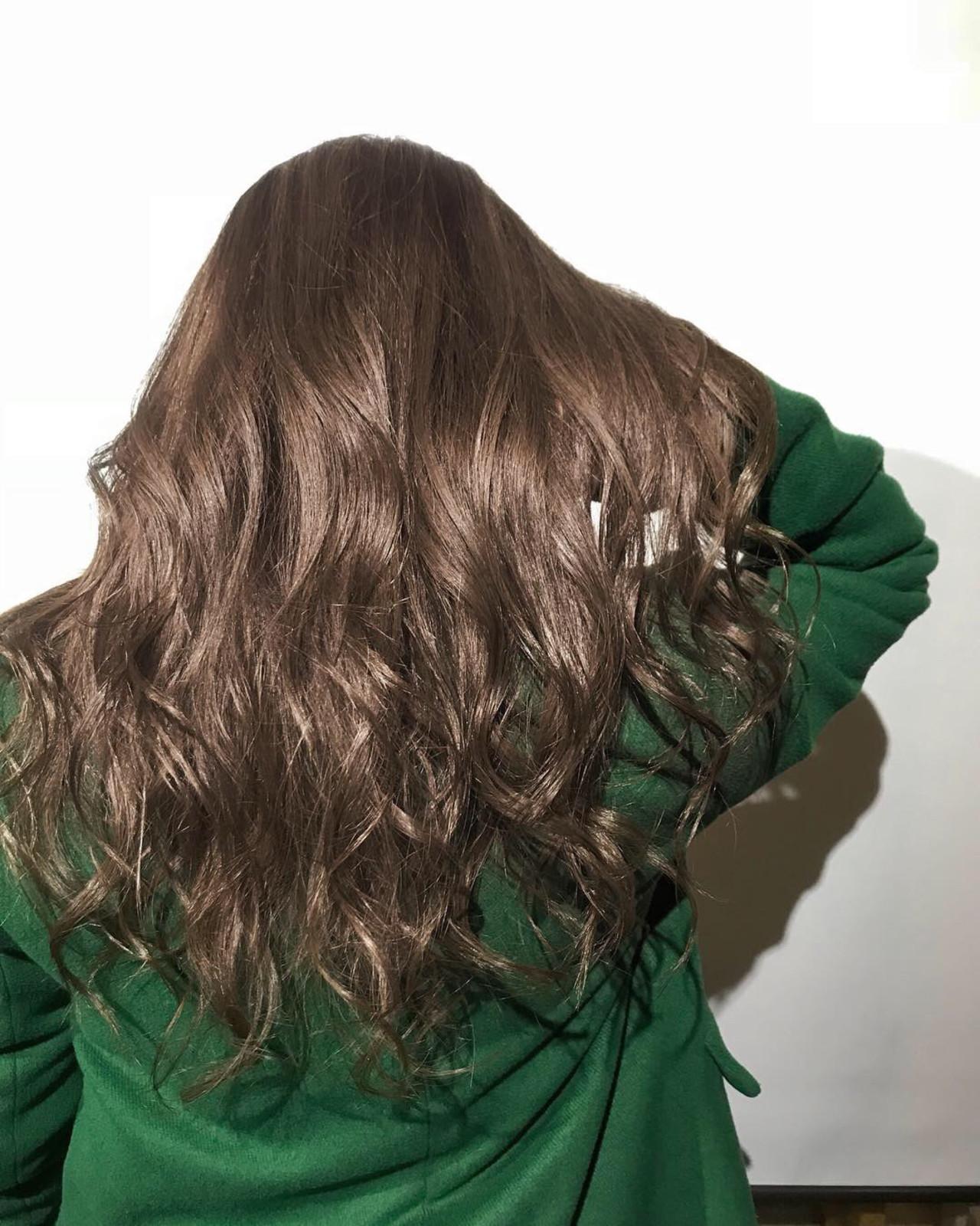 グレージュ 簡単ヘアアレンジ バレイヤージュ ヘアアレンジ ヘアスタイルや髪型の写真・画像