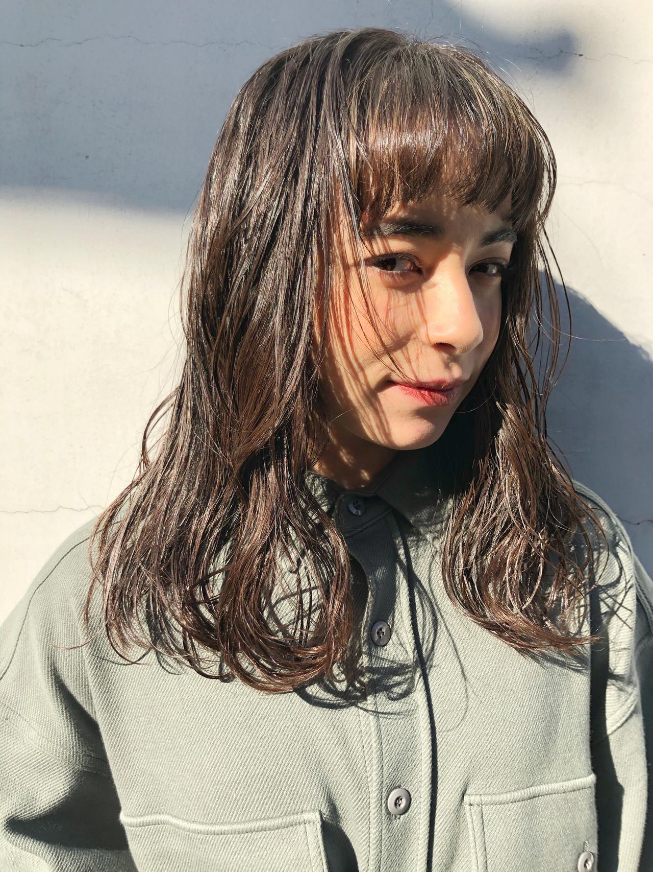 伸ばしかけ 簡単スタイリング ミディアム おしゃれ ヘアスタイルや髪型の写真・画像