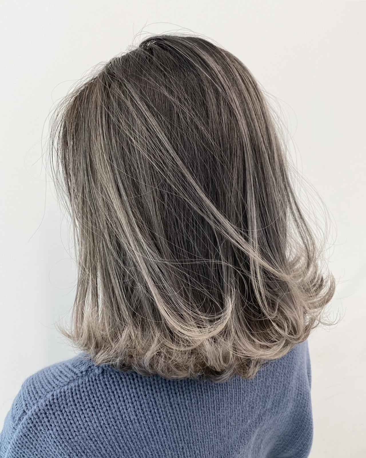 ストリート グレージュ ボブ グラデーションカラー ヘアスタイルや髪型の写真・画像