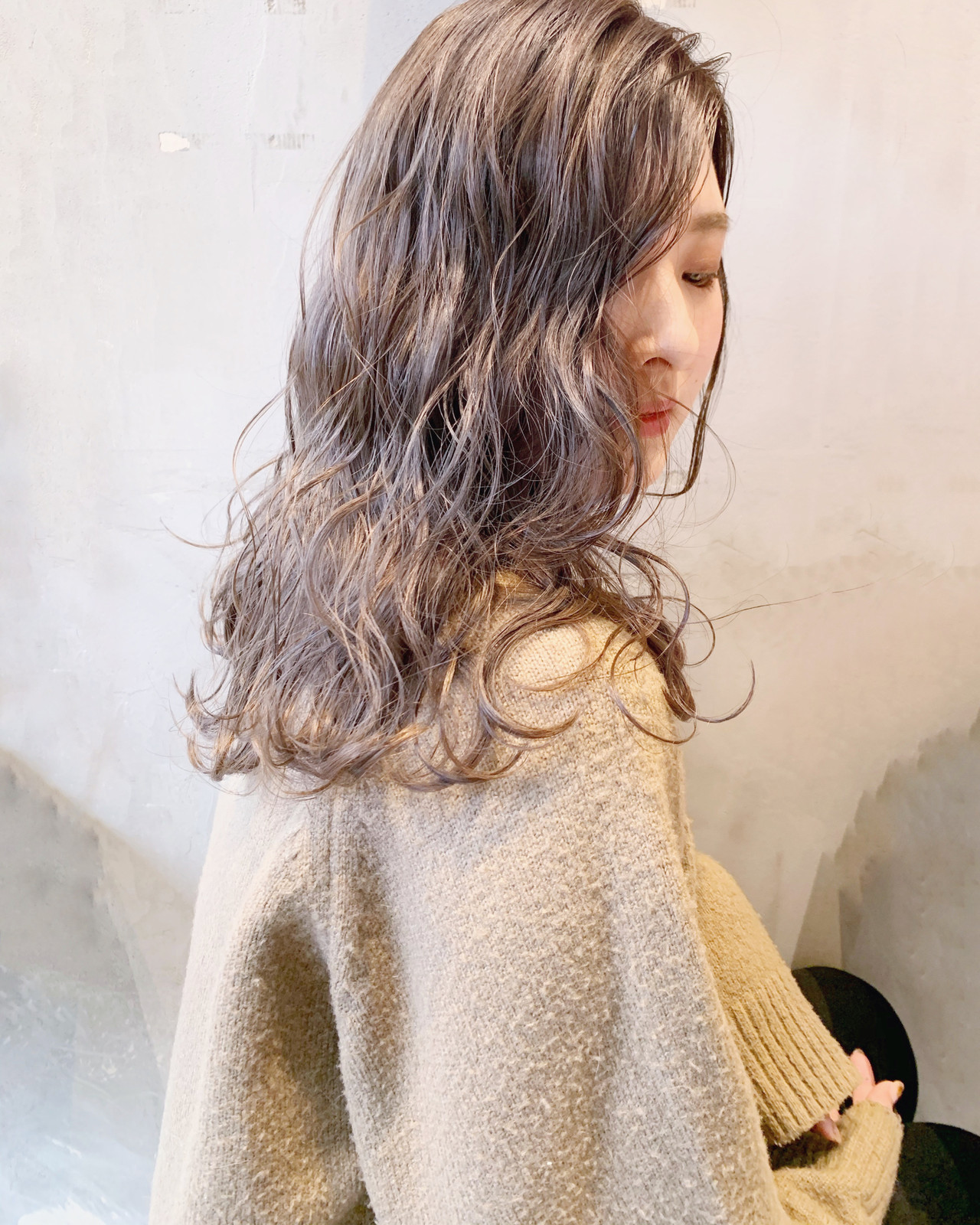 セミロング ミルクティーベージュ 簡単ヘアアレンジ 透明感カラー ヘアスタイルや髪型の写真・画像