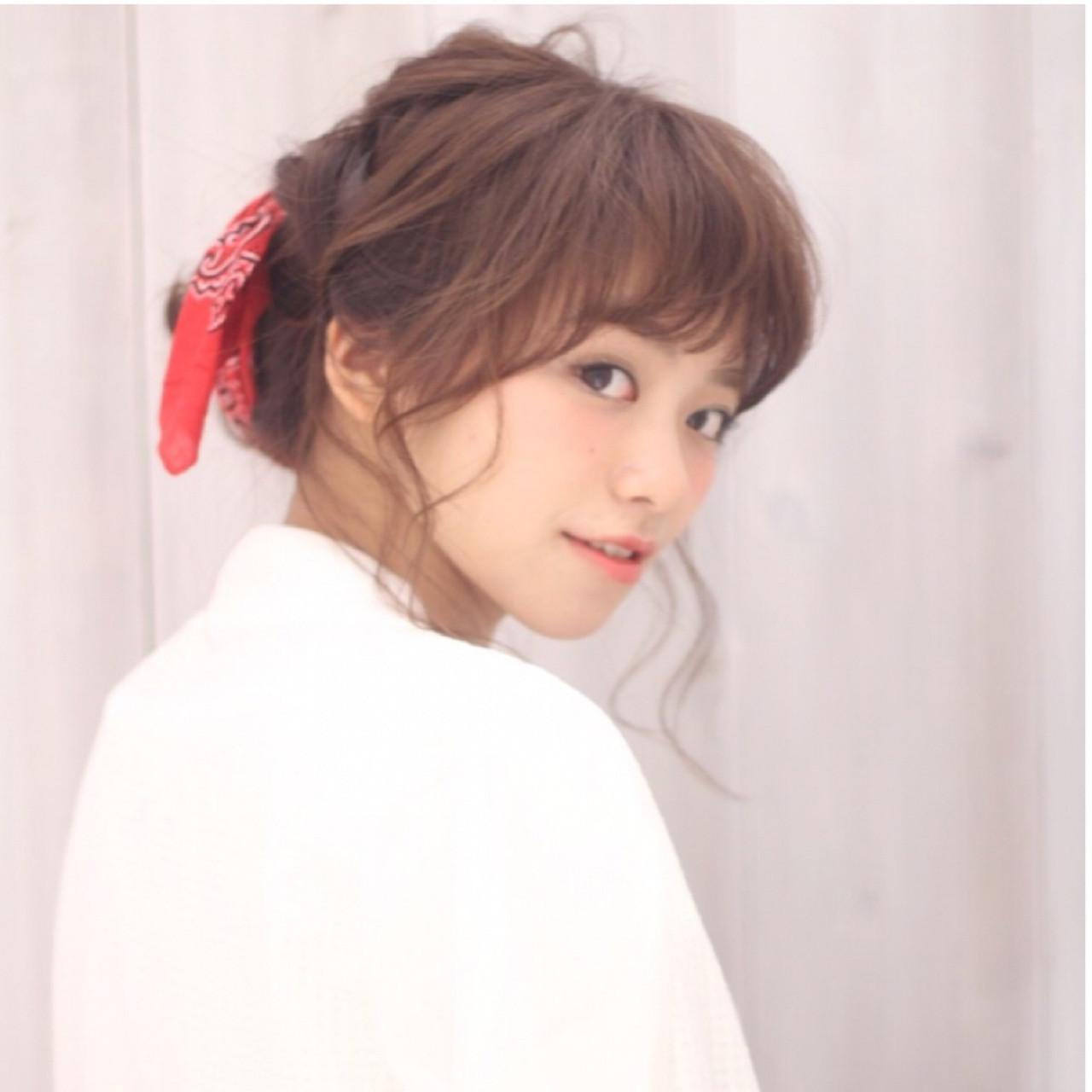 バンダナ セミロング ラフ ヘアアレンジ ヘアスタイルや髪型の写真・画像