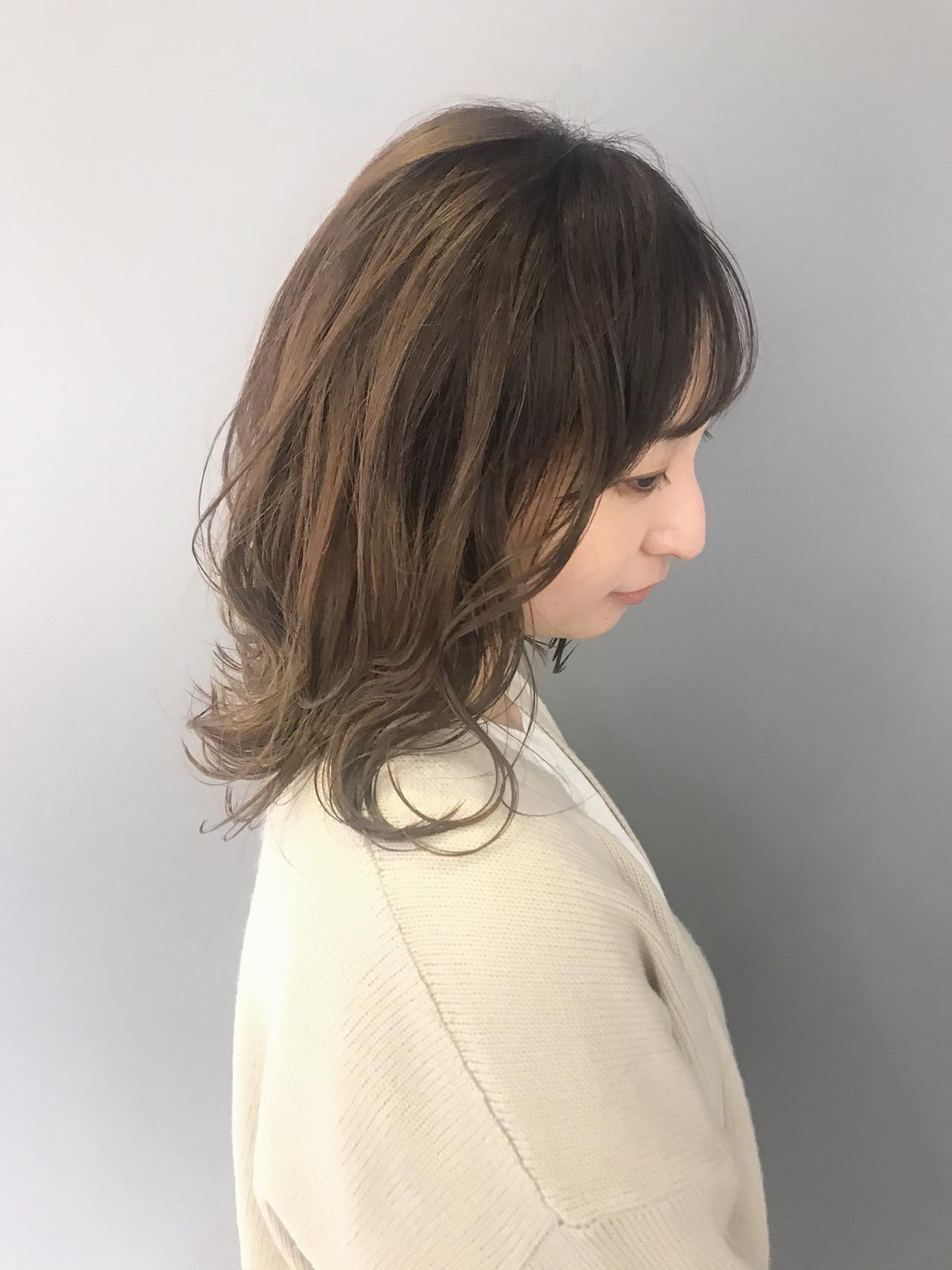 ミディアム ナチュラル ミルクティー 外国人風カラー ヘアスタイルや髪型の写真・画像