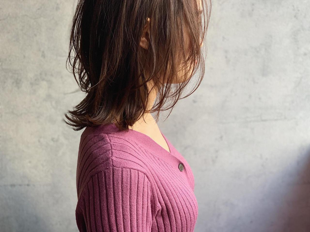 ミディアム フェミニン ウルフカット くびれカール ヘアスタイルや髪型の写真・画像