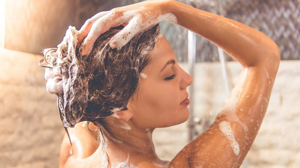 <ブリーチ毛におすすめのシャンプー4選>正しいヘアケア方法もおさらい