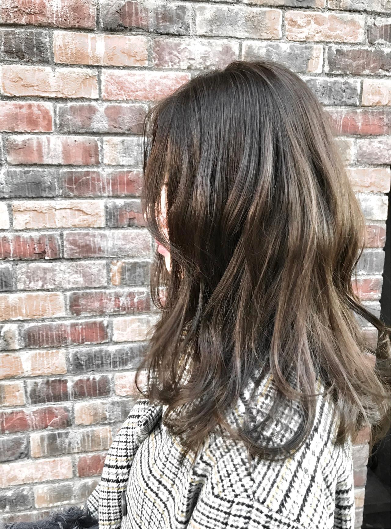 レイヤーロングヘア ブリーチなし ゆるナチュラル セミロング ヘアスタイルや髪型の写真・画像