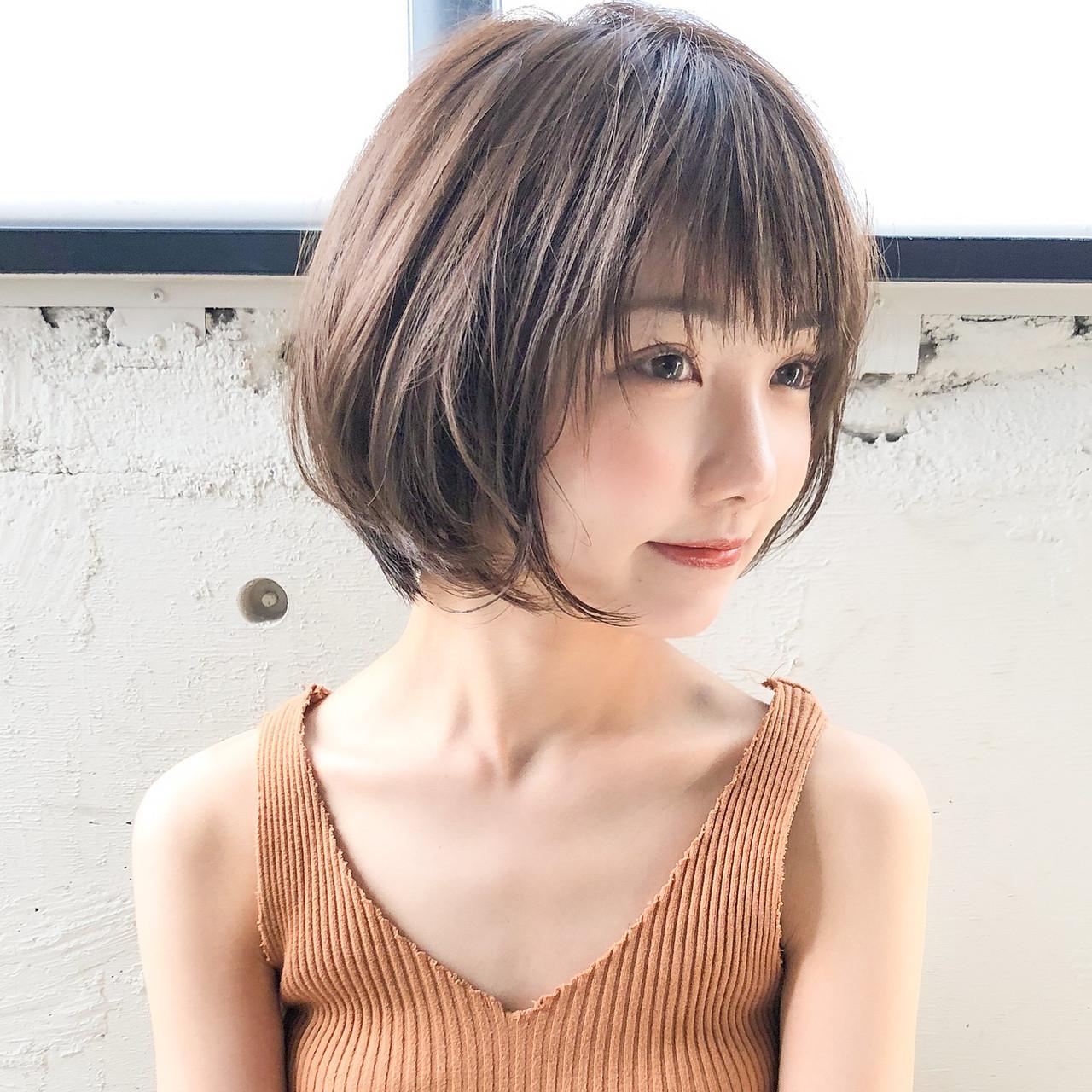 ショートヘア アンニュイほつれヘア ナチュラル ひし形シルエット ヘアスタイルや髪型の写真・画像