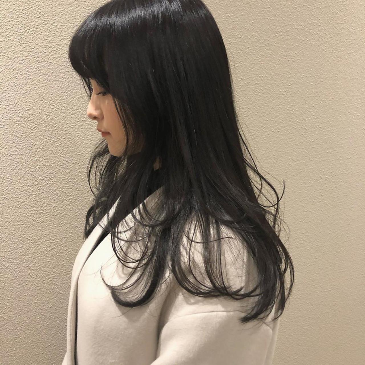 ロング レイヤーカット レイヤーヘアー ナチュラル ヘアスタイルや髪型の写真・画像