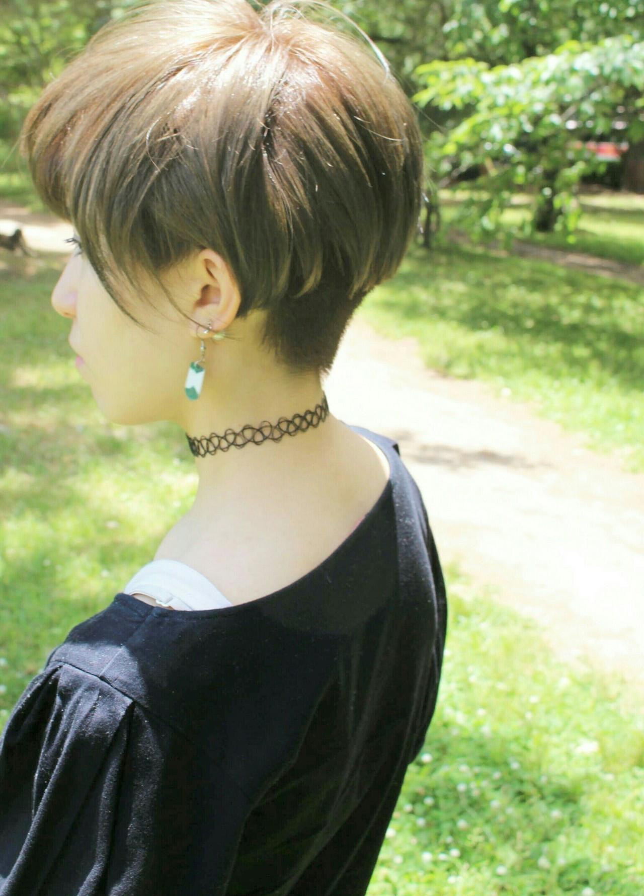 ハイトーンカラー ショート ベリーショート ツーブロック ヘアスタイルや髪型の写真・画像