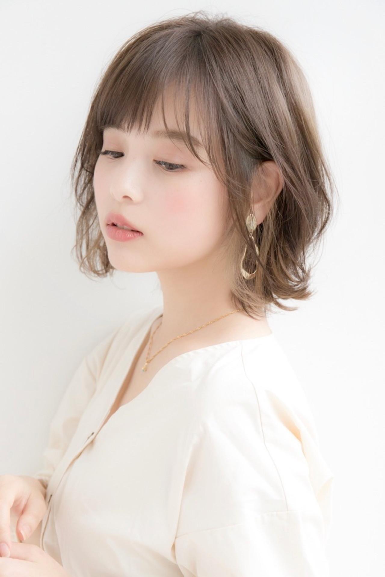 小顔ヘア 大人かわいい ミディアム レイヤースタイル ヘアスタイルや髪型の写真・画像