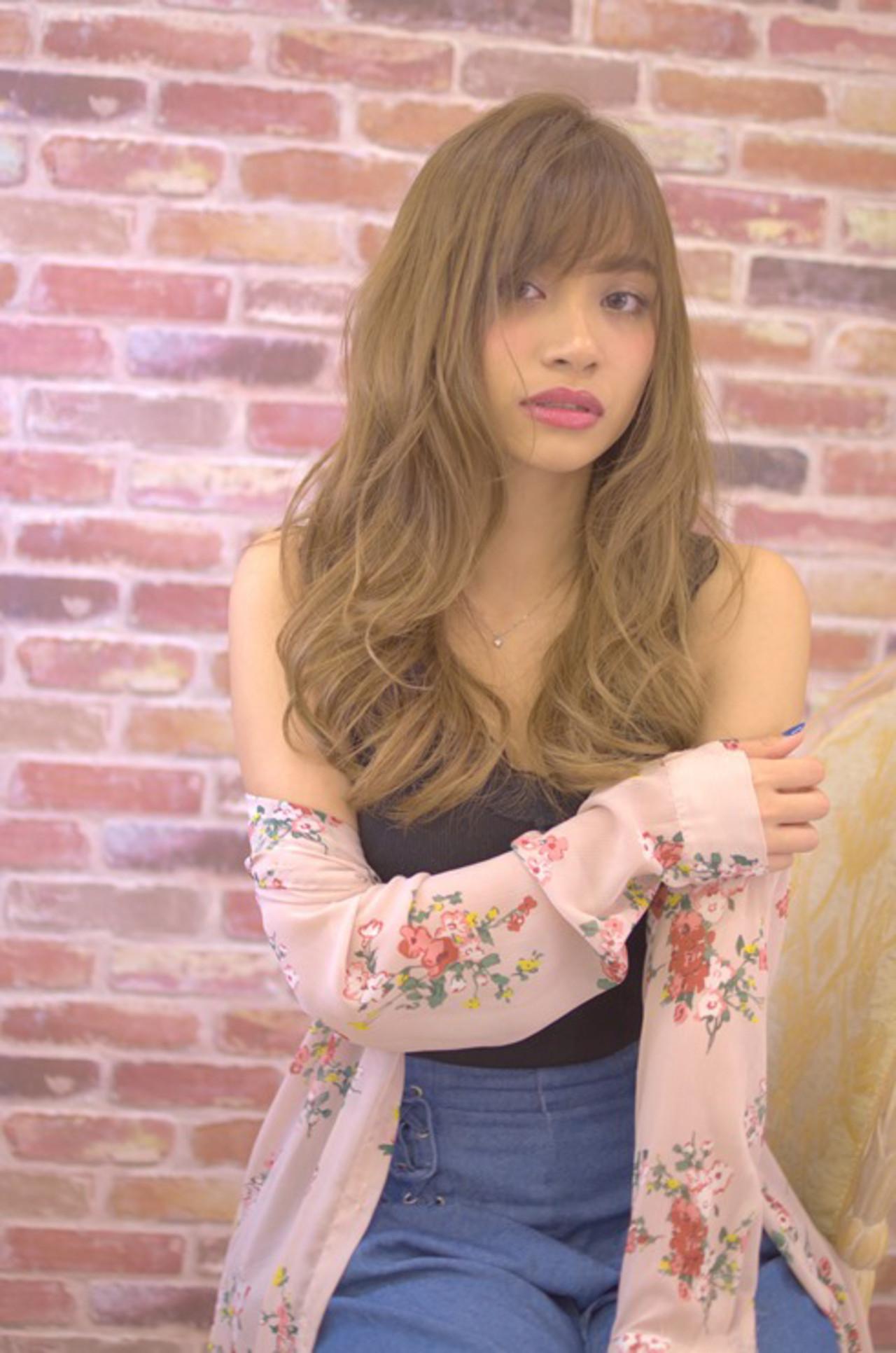 外国人風カラー フェミニン ロング デジタルパーマ ヘアスタイルや髪型の写真・画像