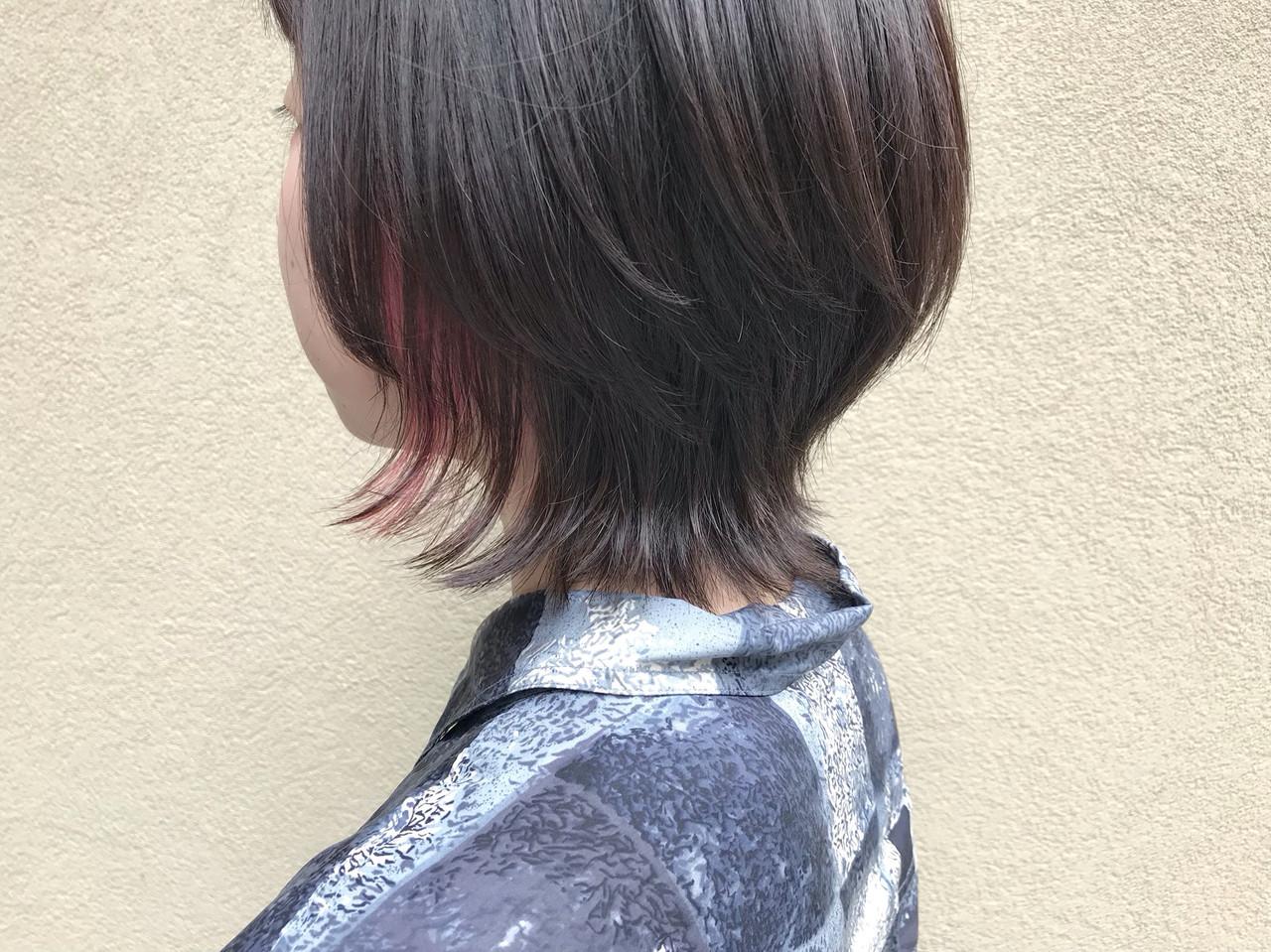 インナーカラー ショート ウルフカット ナチュラル ヘアスタイルや髪型の写真・画像