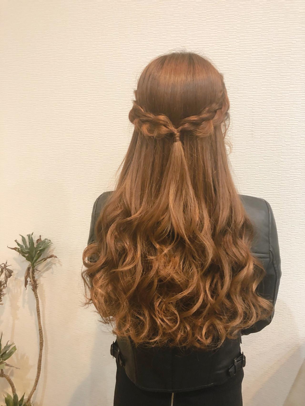 編み込み ロング ハーフアップ ガーリー ヘアスタイルや髪型の写真・画像