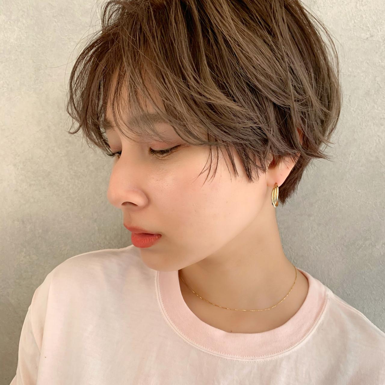 ショートボブ ショートパーマ ショートヘア ナチュラル ヘアスタイルや髪型の写真・画像