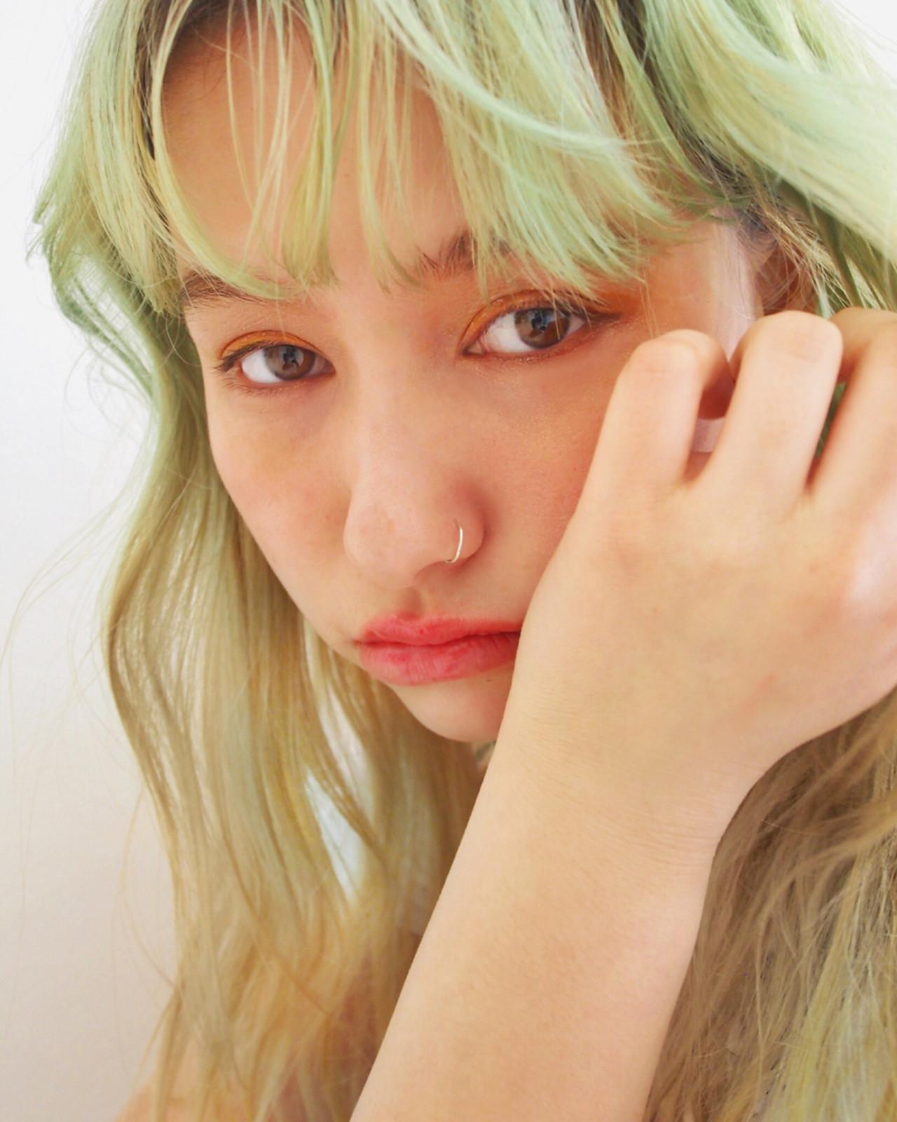 前髪あり 外国人風カラー セミロング フリンジバング ヘアスタイルや髪型の写真・画像