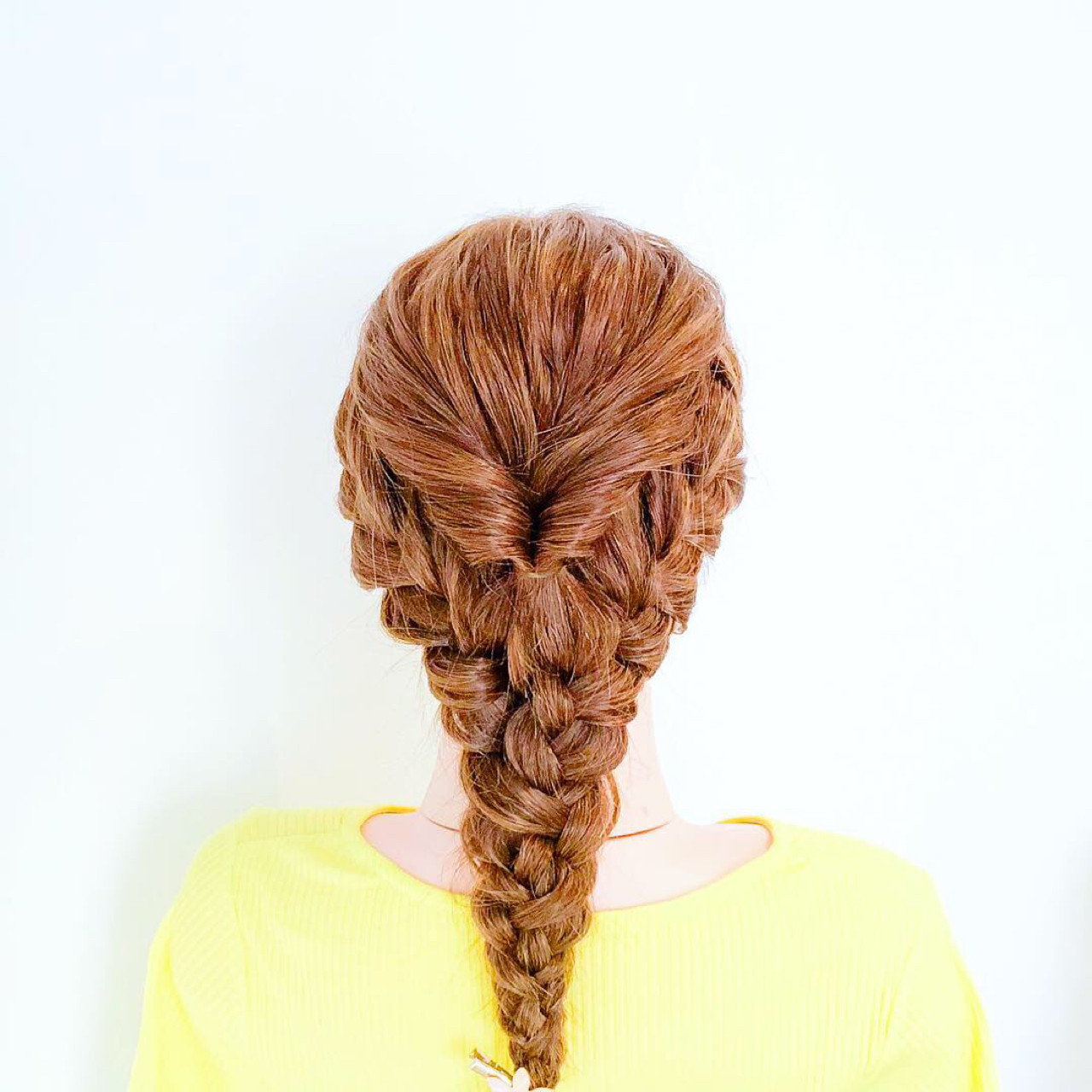 ヘアアレンジ フェミニン 結婚式 三つ編み ヘアスタイルや髪型の写真・画像