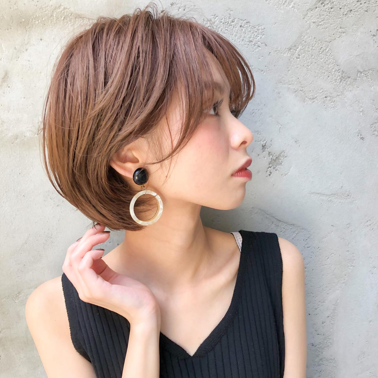 ひし形シルエット ショートヘア ショートボブ ゆるナチュラル ヘアスタイルや髪型の写真・画像