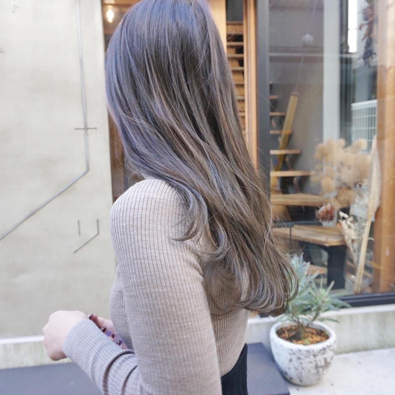 ロング 透明感カラー 地毛風カラー グレージュ ヘアスタイルや髪型の写真・画像