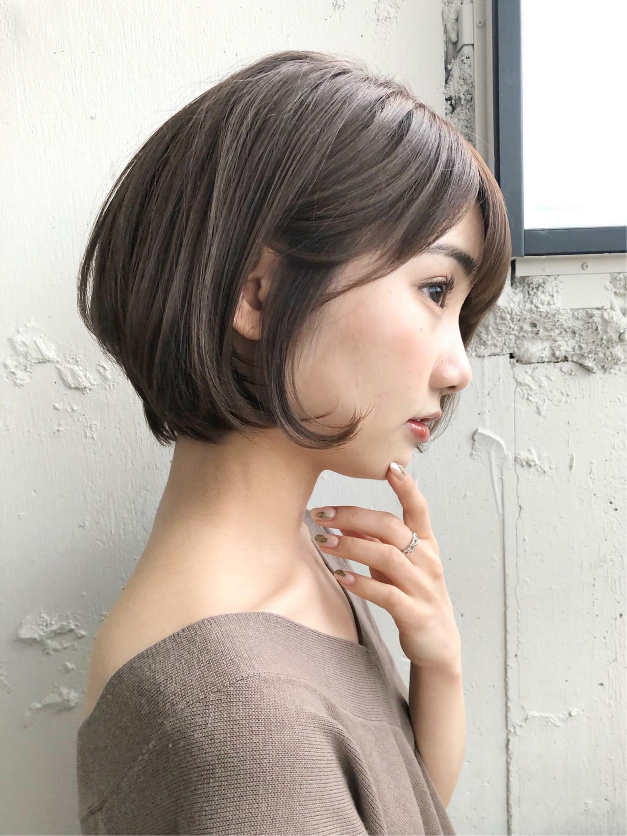 アッシュ 小顔ショート ショートヘア ナチュラル ヘアスタイルや髪型の写真・画像