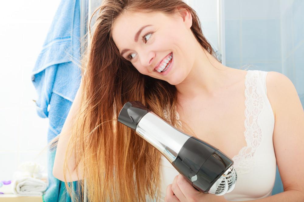 乾いた髪で行うほうが失敗しない